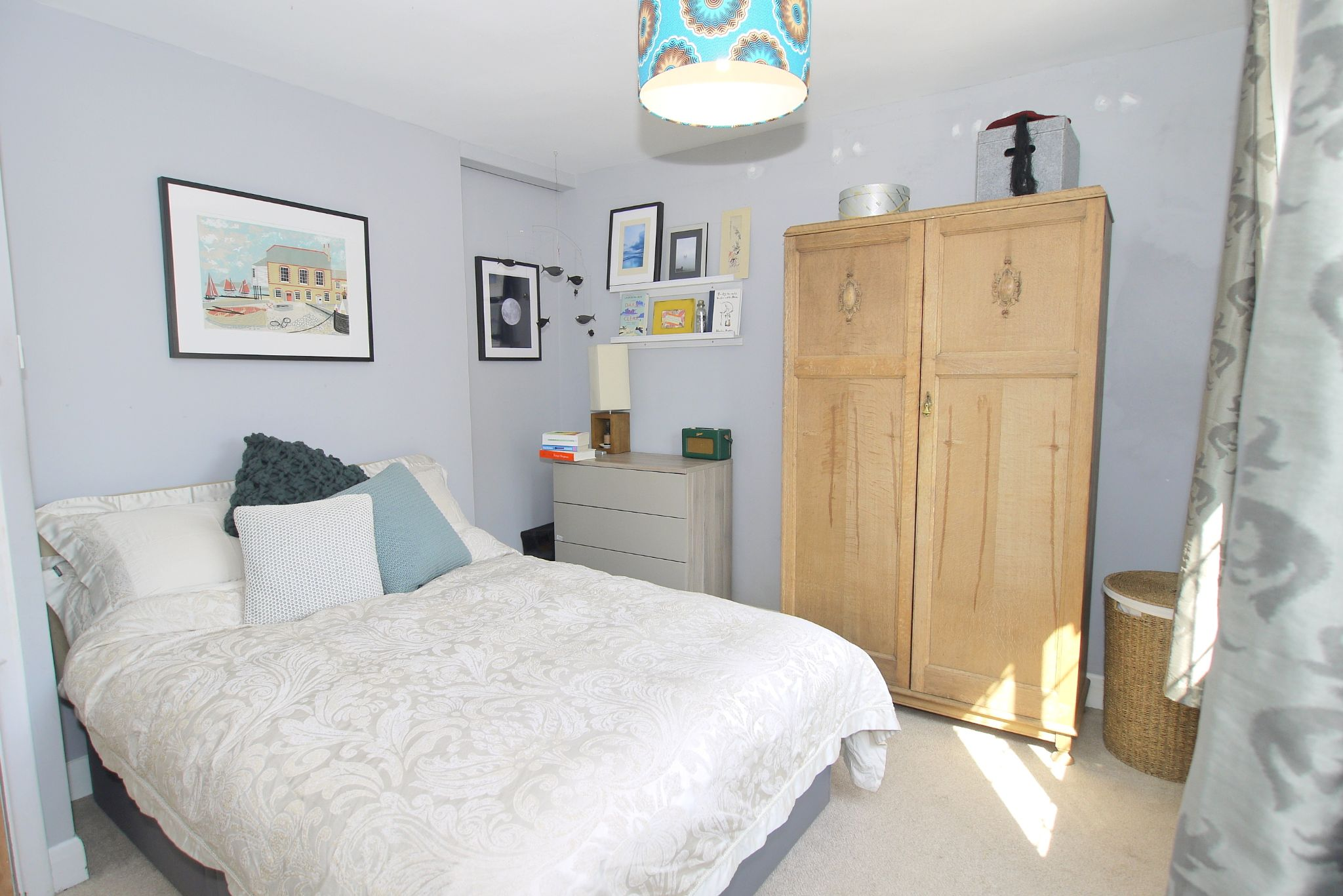3 bedroom semi-detached house For Sale in Sevenoaks - Photograph 8