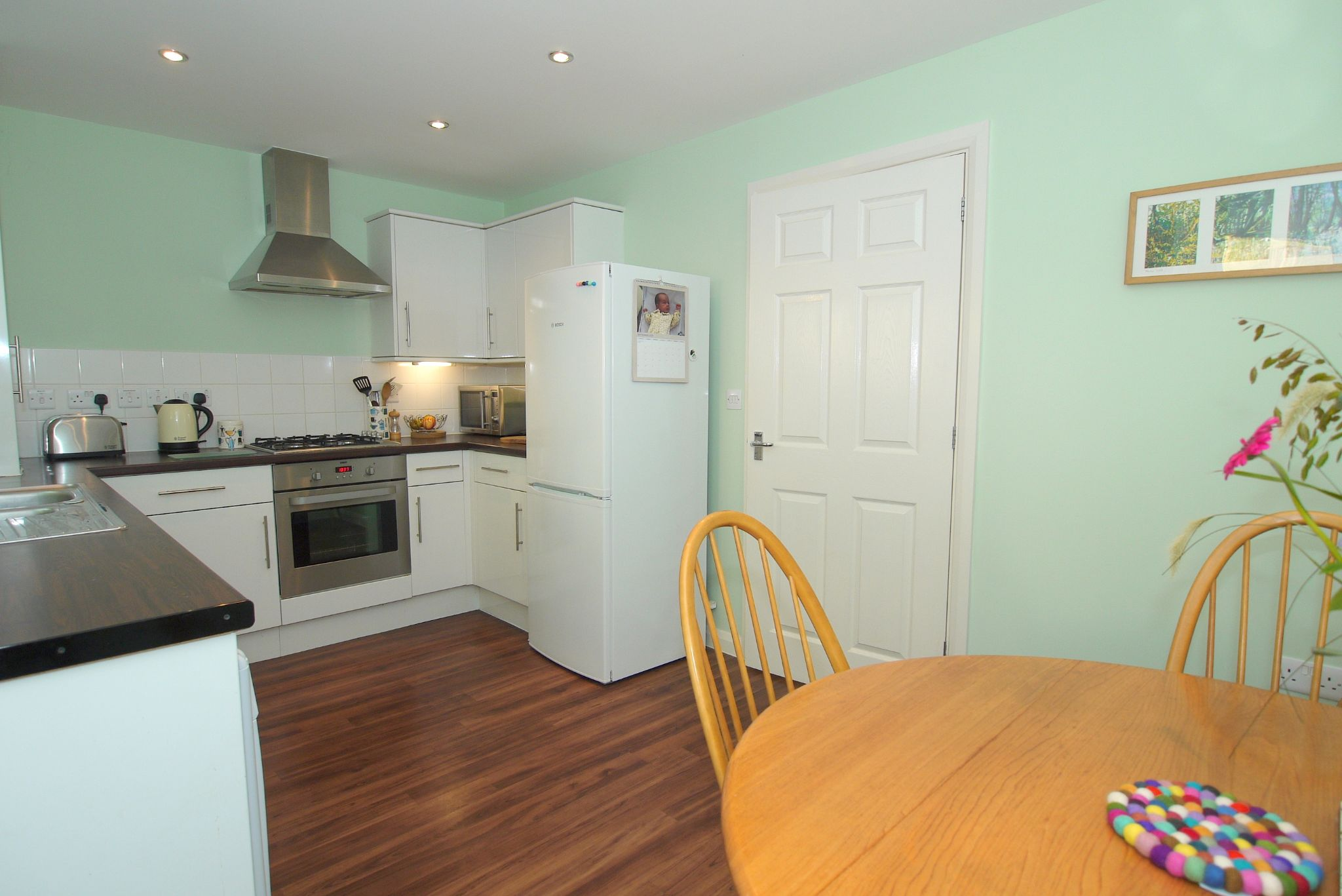 2 bedroom end terraced house For Sale in Sevenoaks - Photograph 4