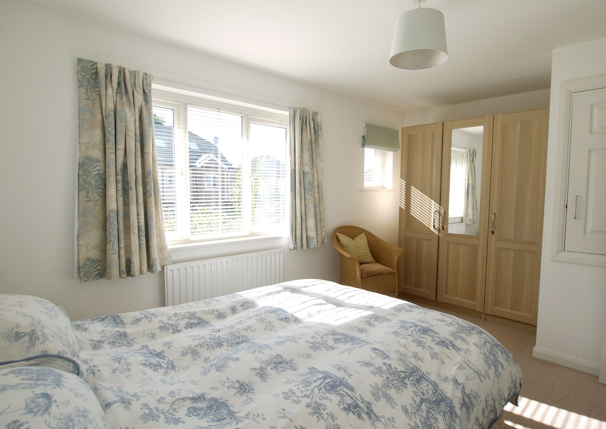 2 bedroom end terraced house For Sale in Sevenoaks - Photograph 8