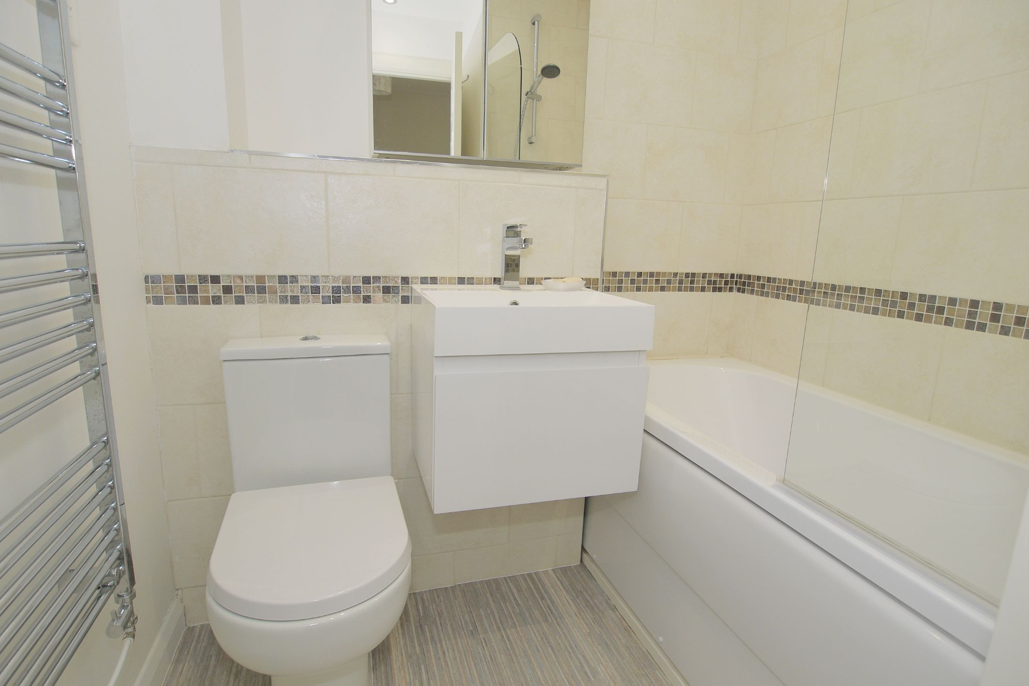 2 bedroom end terraced house For Sale in Sevenoaks - Photograph 11