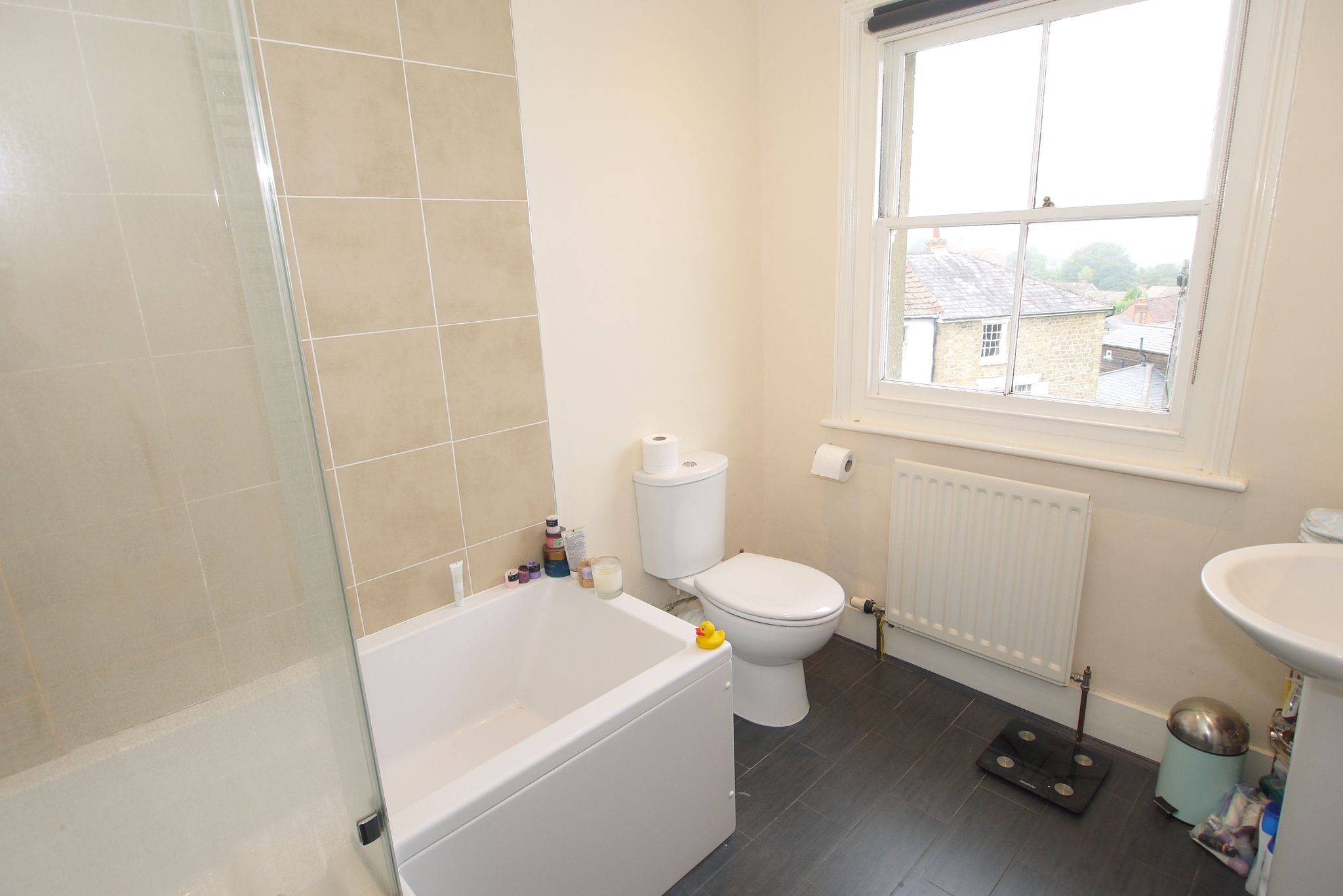2 bedroom semi-detached house For Sale in Sevenoaks - Photograph 7