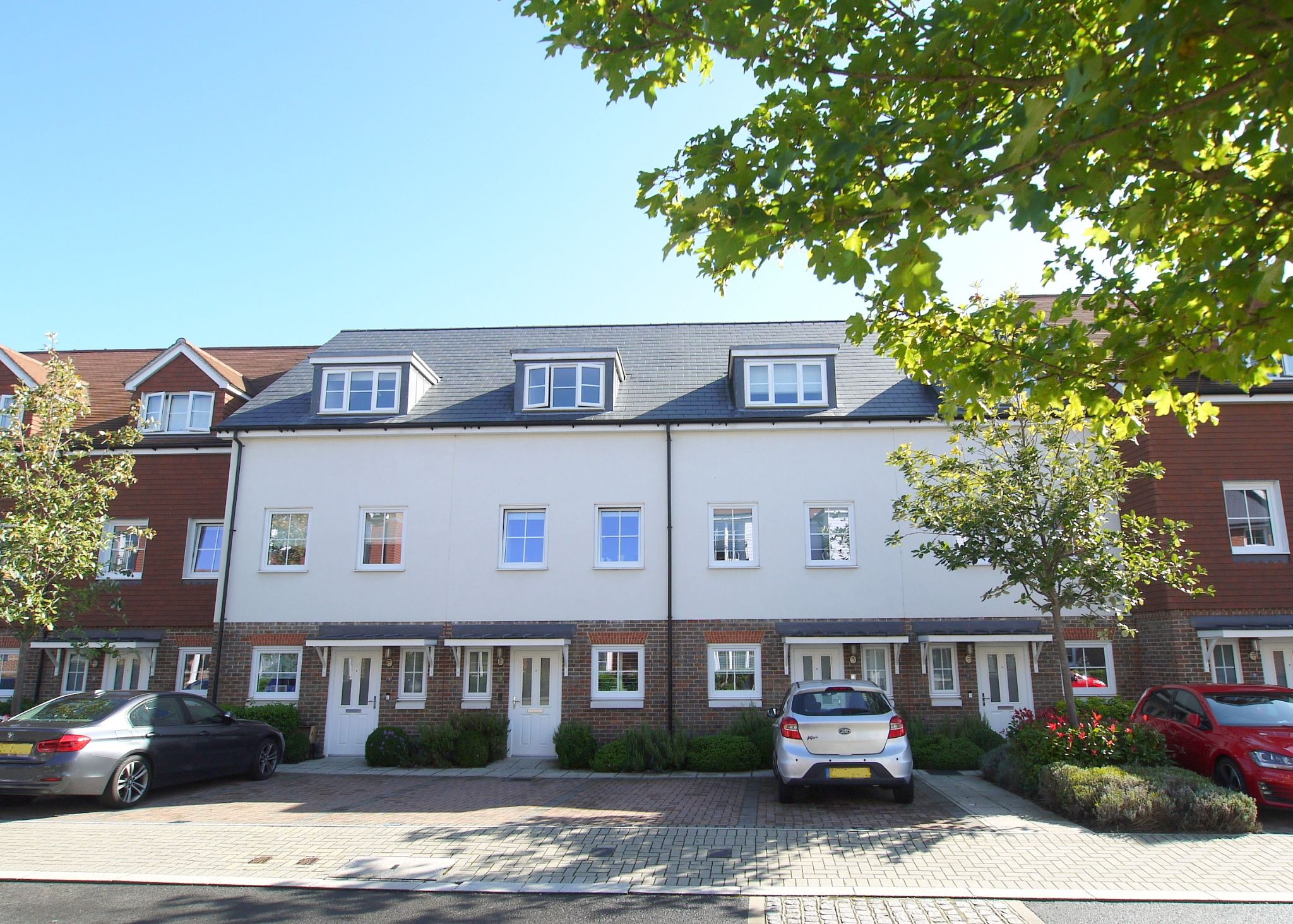 3 bedroom town house For Sale in Sevenoaks - Photograph 1