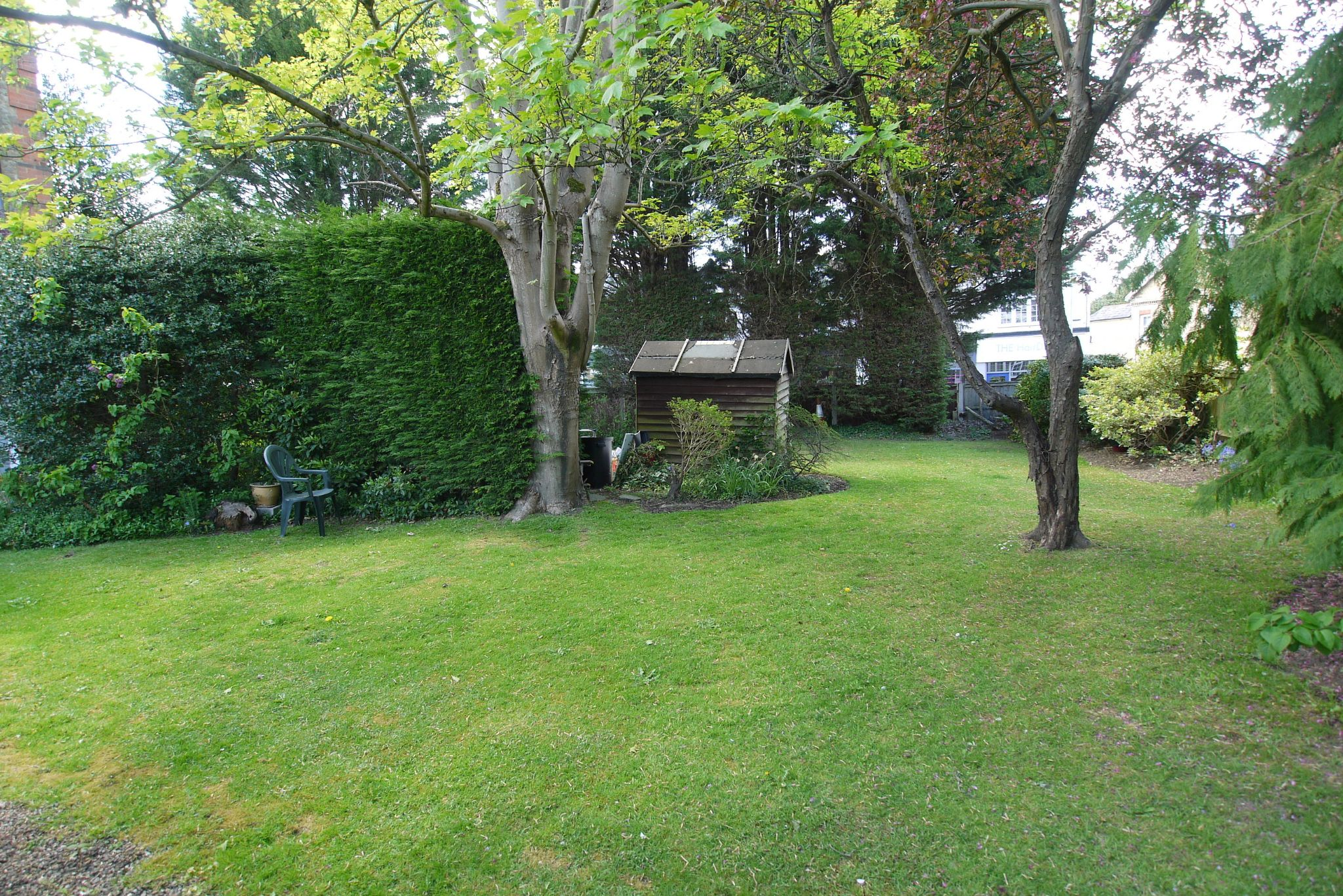 2 bedroom ground floor Sold in Sevenoaks - Photograph 2
