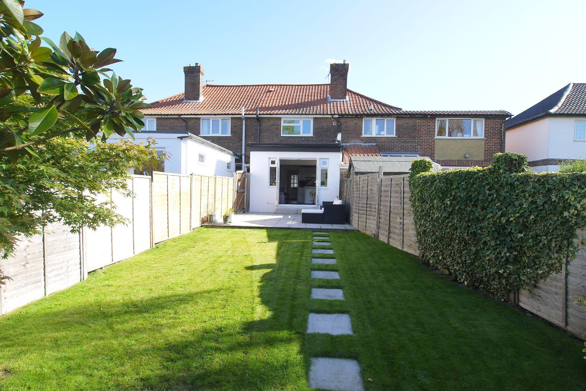 2 bedroom mid terraced house For Sale in Sevenoaks - Photograph 11