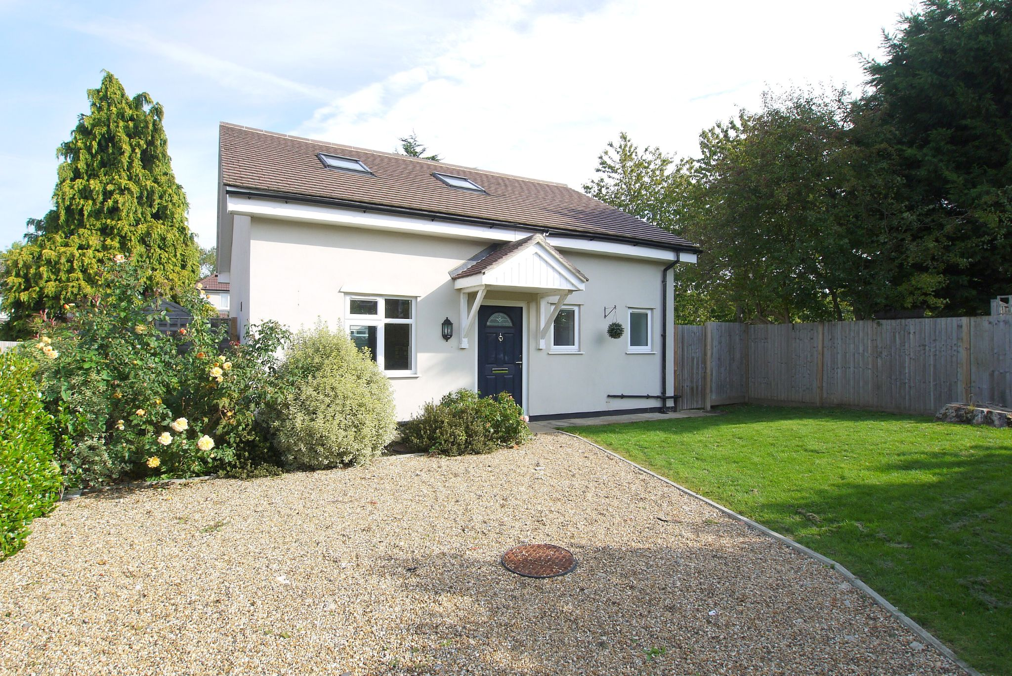 3 bedroom detached house For Sale in Sevenoaks - Photograph 1