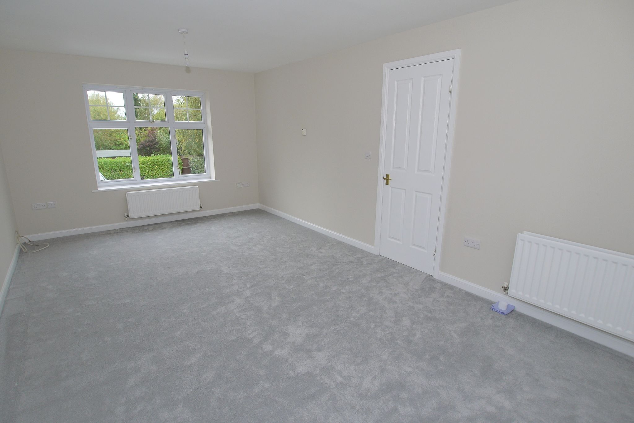 2 bedroom apartment flat/apartment Sale Agreed in Dunton Green - Photograph 7