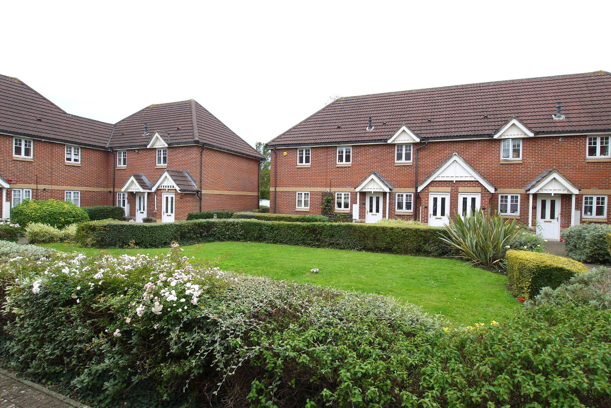 2 bedroom apartment flat/apartment Sale Agreed in Dunton Green - Photograph 1
