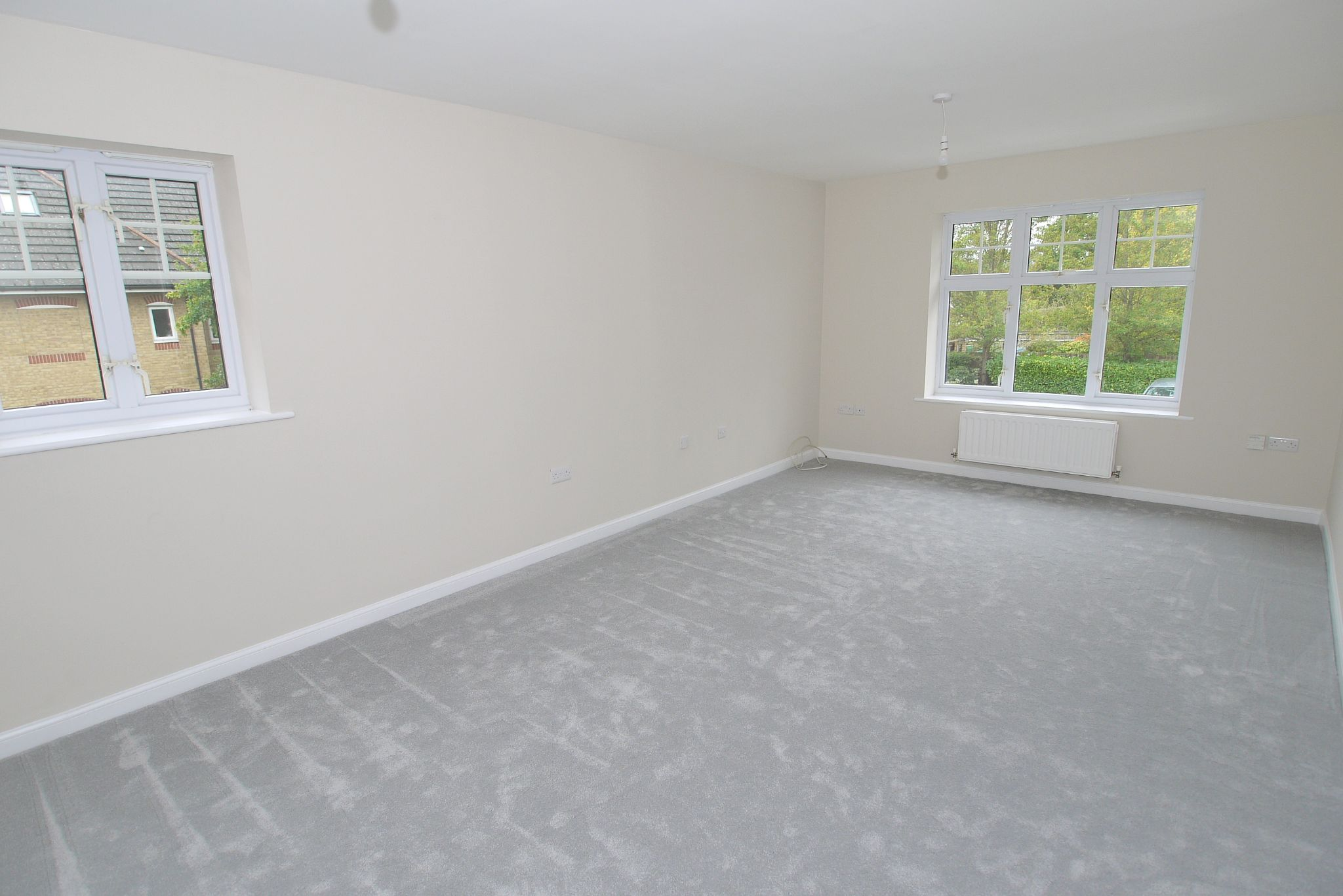 2 bedroom apartment flat/apartment Sale Agreed in Dunton Green - Photograph 3