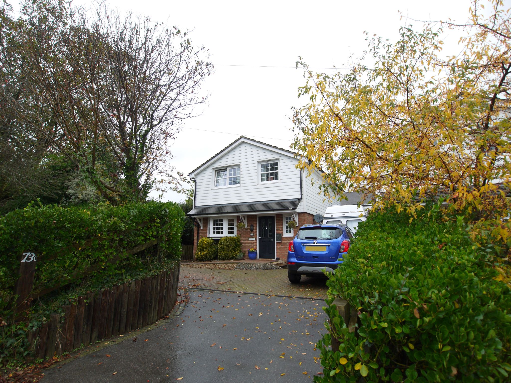 3 bedroom link detached house Sold in Sevenoaks - Photograph 1