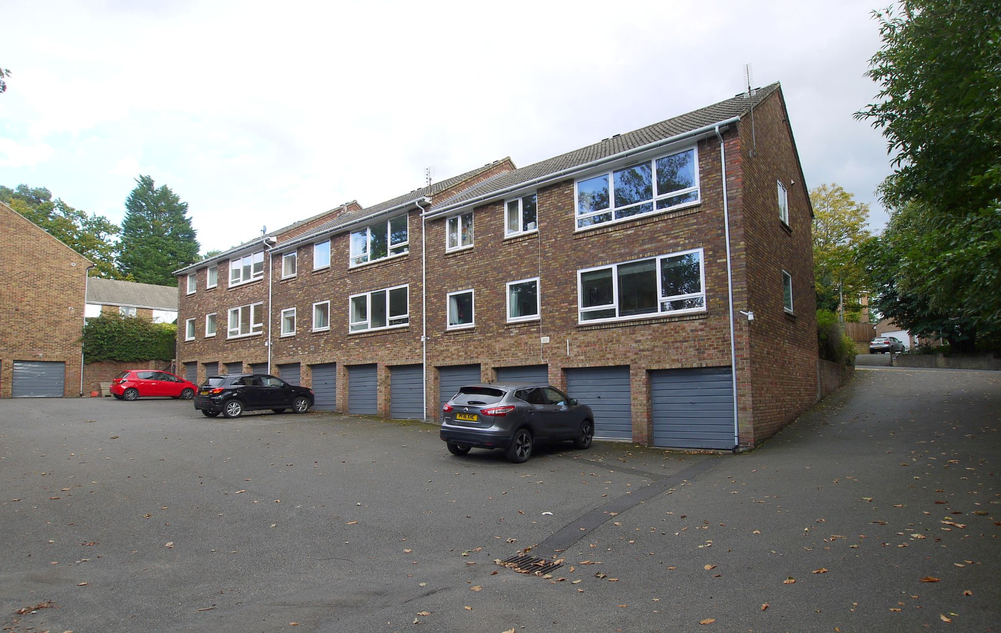 3 bedroom apartment flat/apartment Sale Agreed in Sevenoaks - Photograph 10