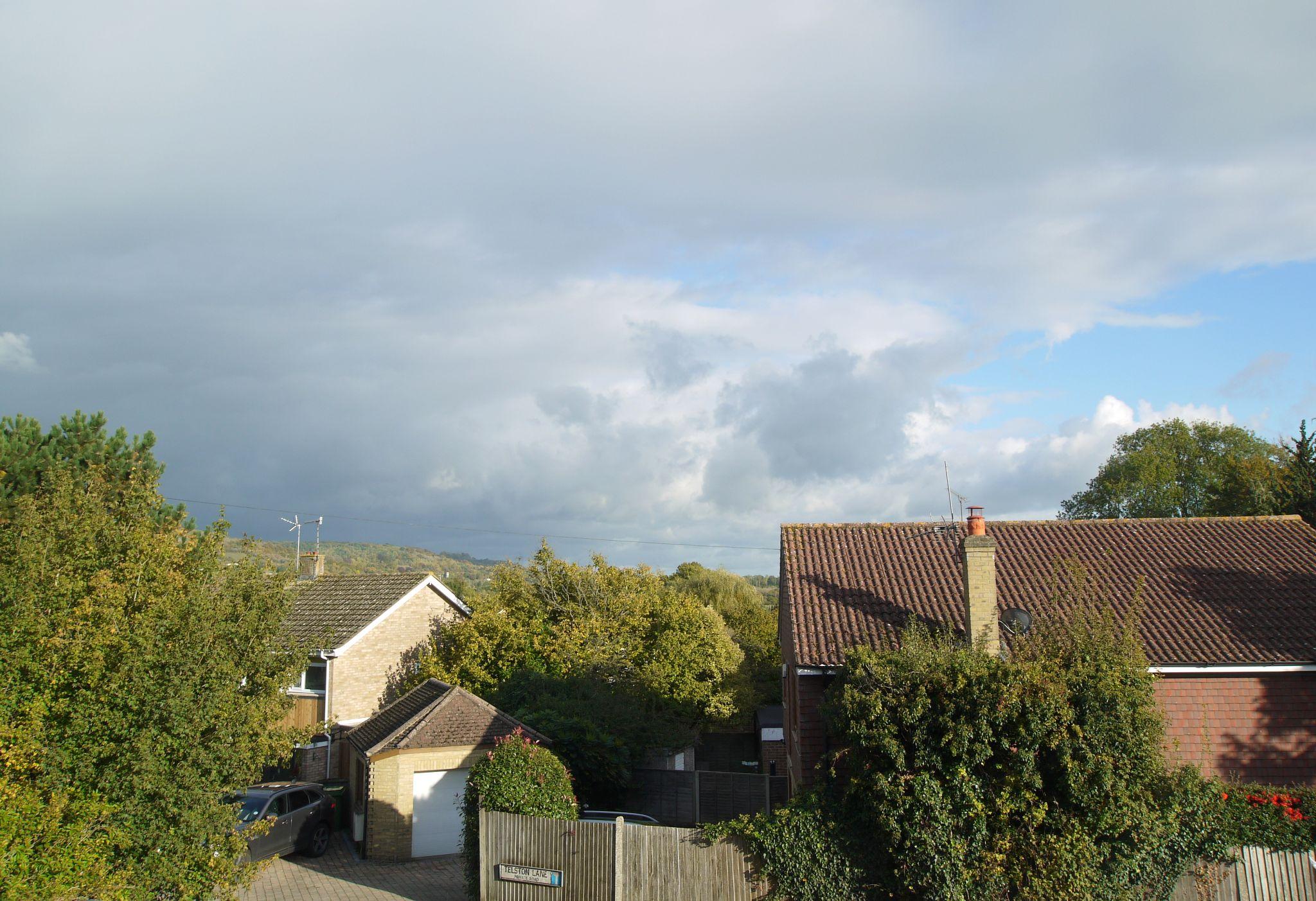2 bedroom mid terraced house For Sale in Sevenoaks - Photograph 8