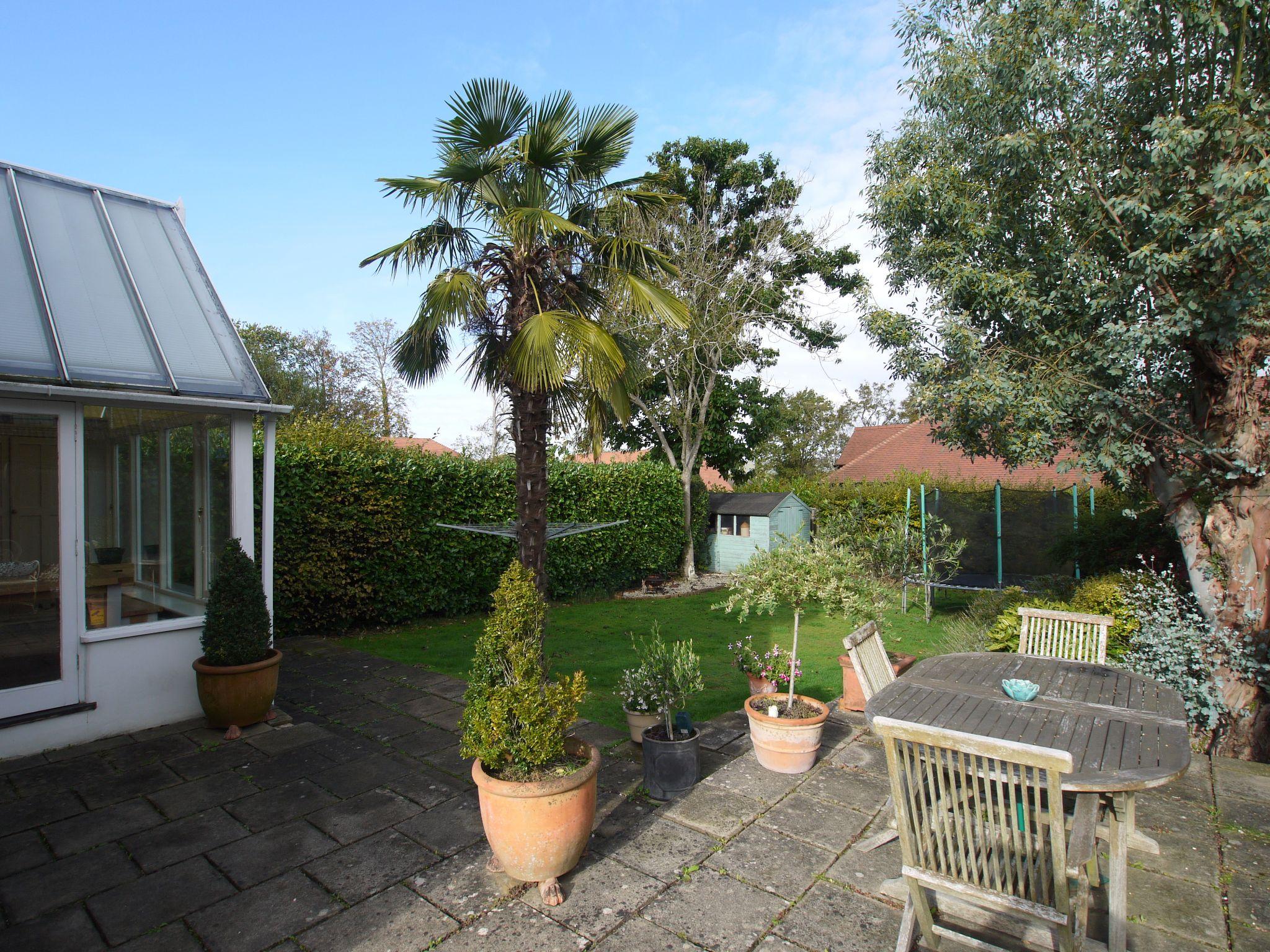 3 bedroom detached house Sold in Sevenoaks - Photograph 14