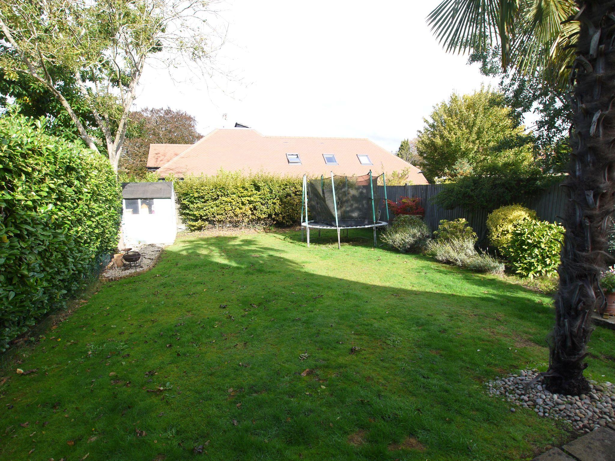3 bedroom detached house Sold in Sevenoaks - Photograph 15