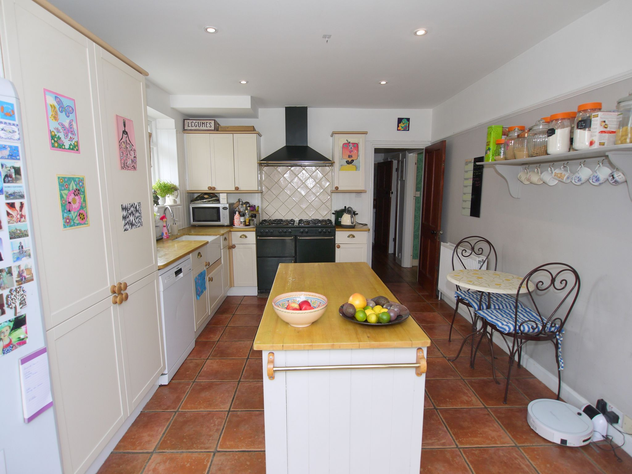 3 bedroom detached house Sold in Sevenoaks - Photograph 5