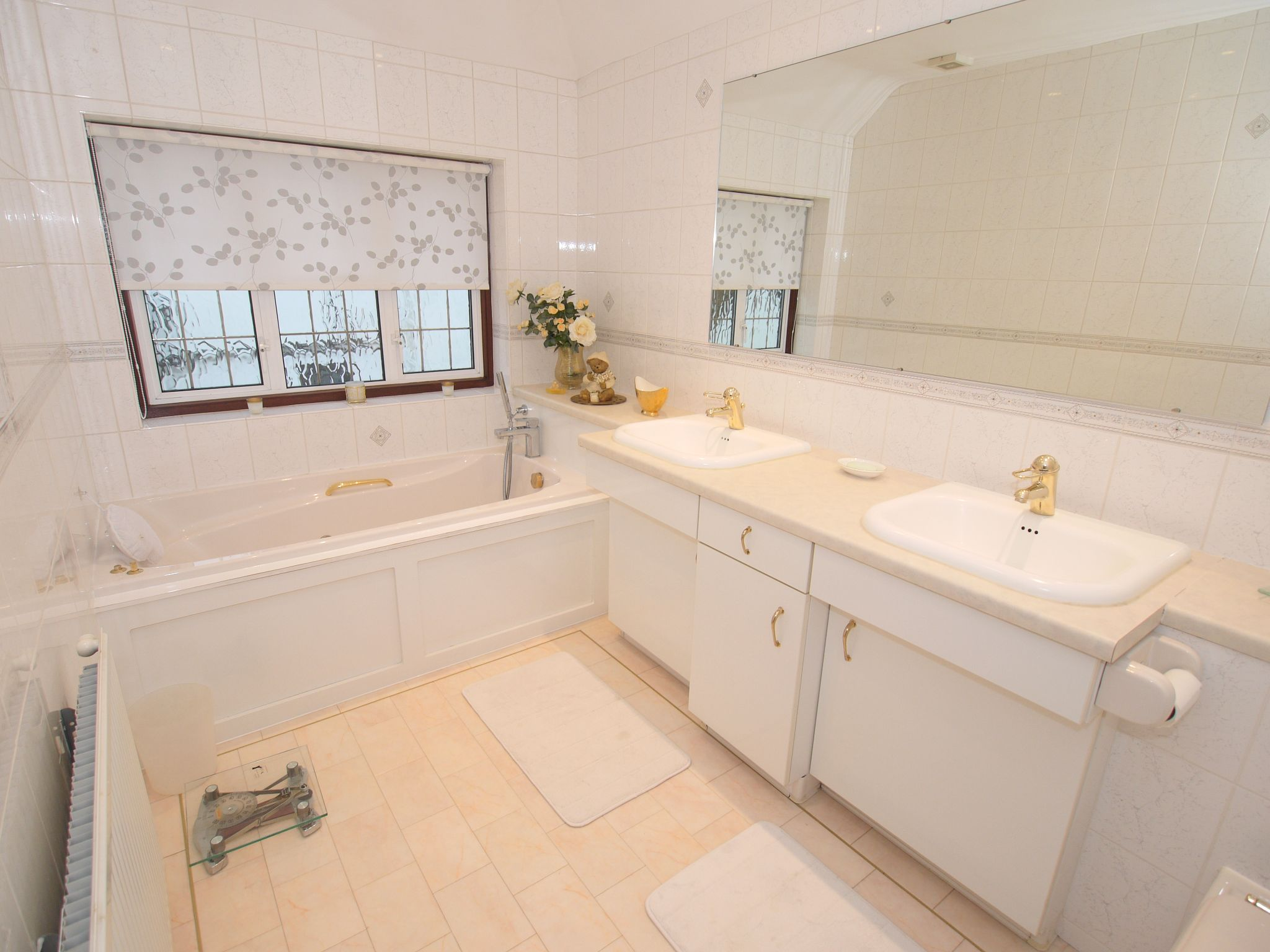 6 bedroom detached house For Sale in Sevenoaks - Photograph 18