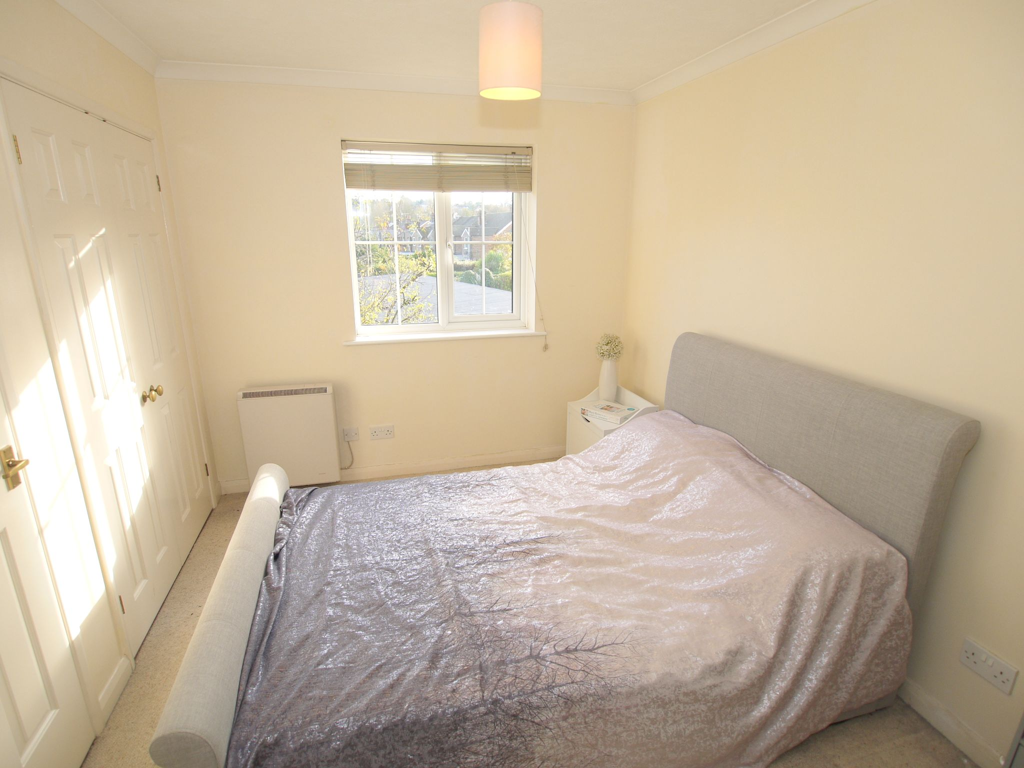 1 bedroom flat Sold in Sevenoaks - Photograph 4
