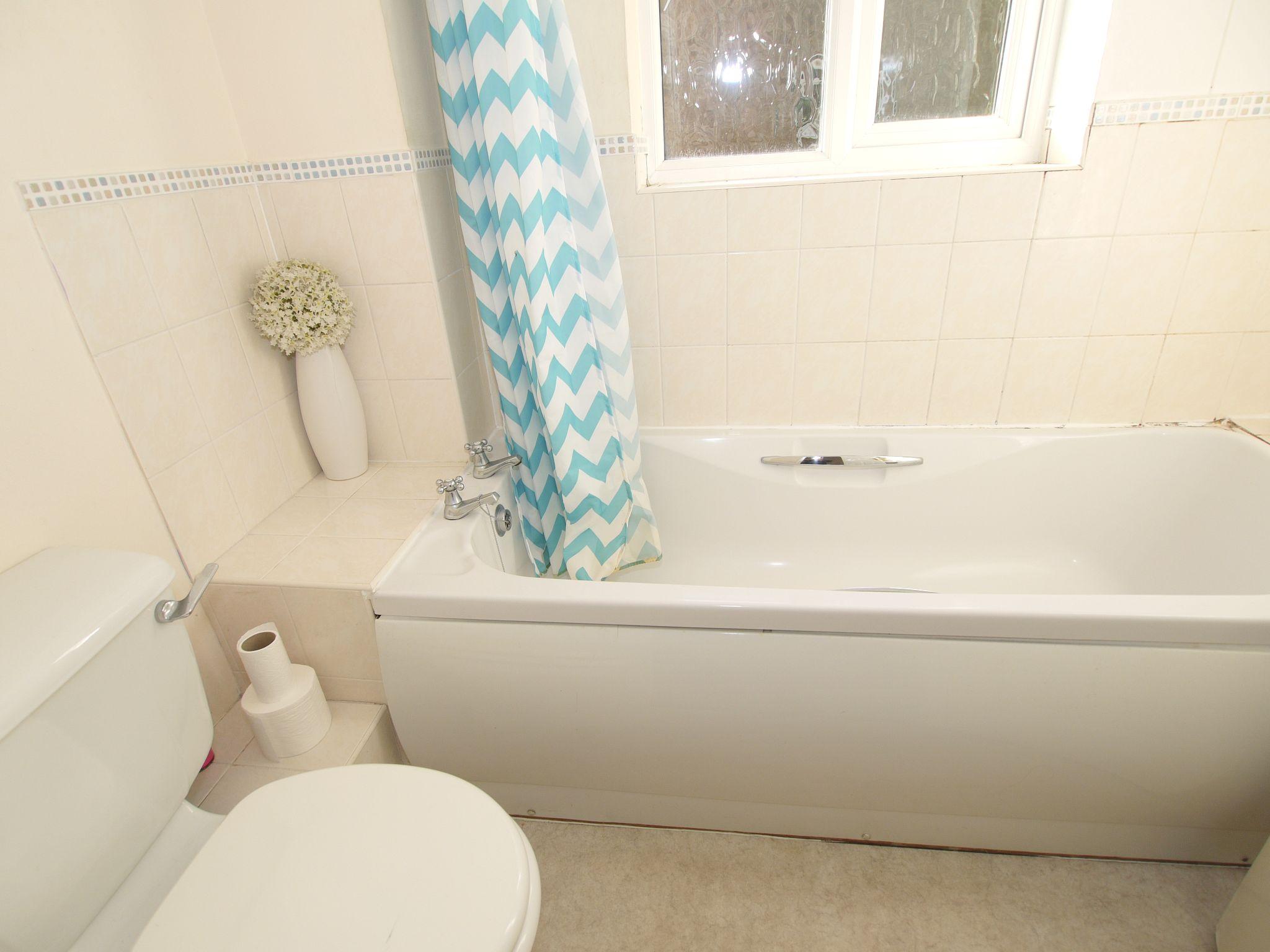 1 bedroom flat Sold in Sevenoaks - Photograph 5