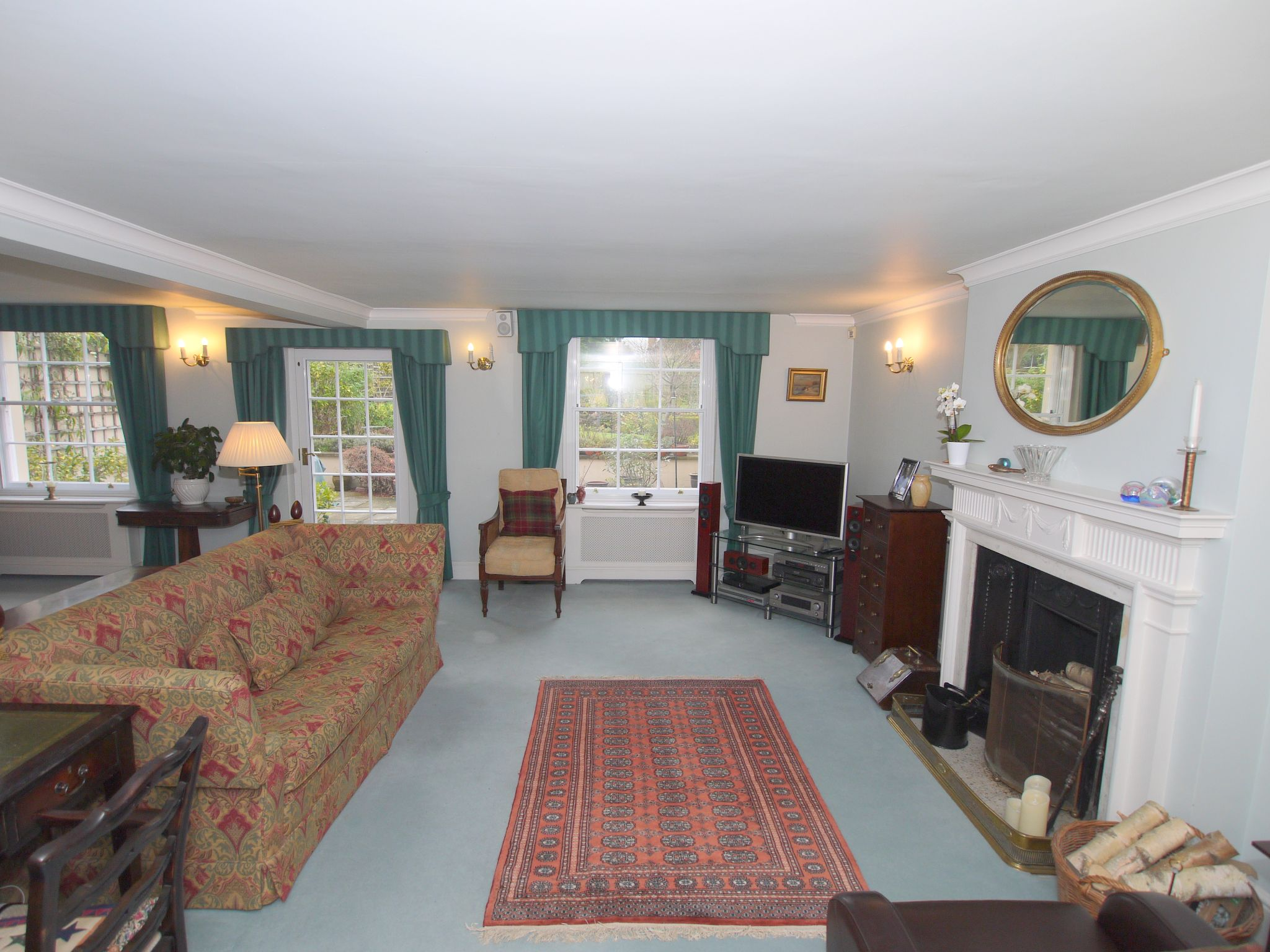 5 bedroom semi-detached house For Sale in Sundridge - Photograph 4