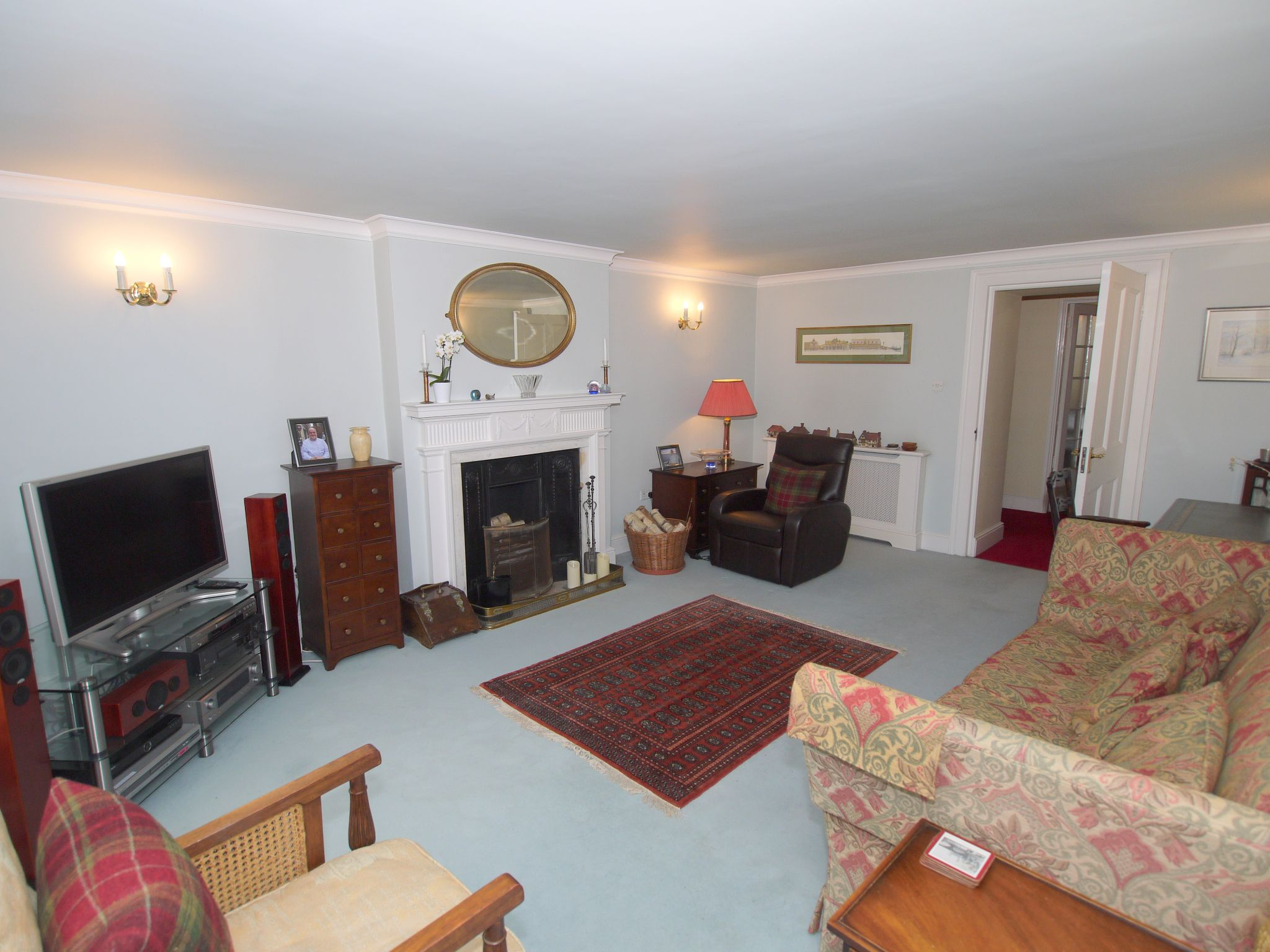 5 bedroom semi-detached house For Sale in Sundridge - Photograph 6