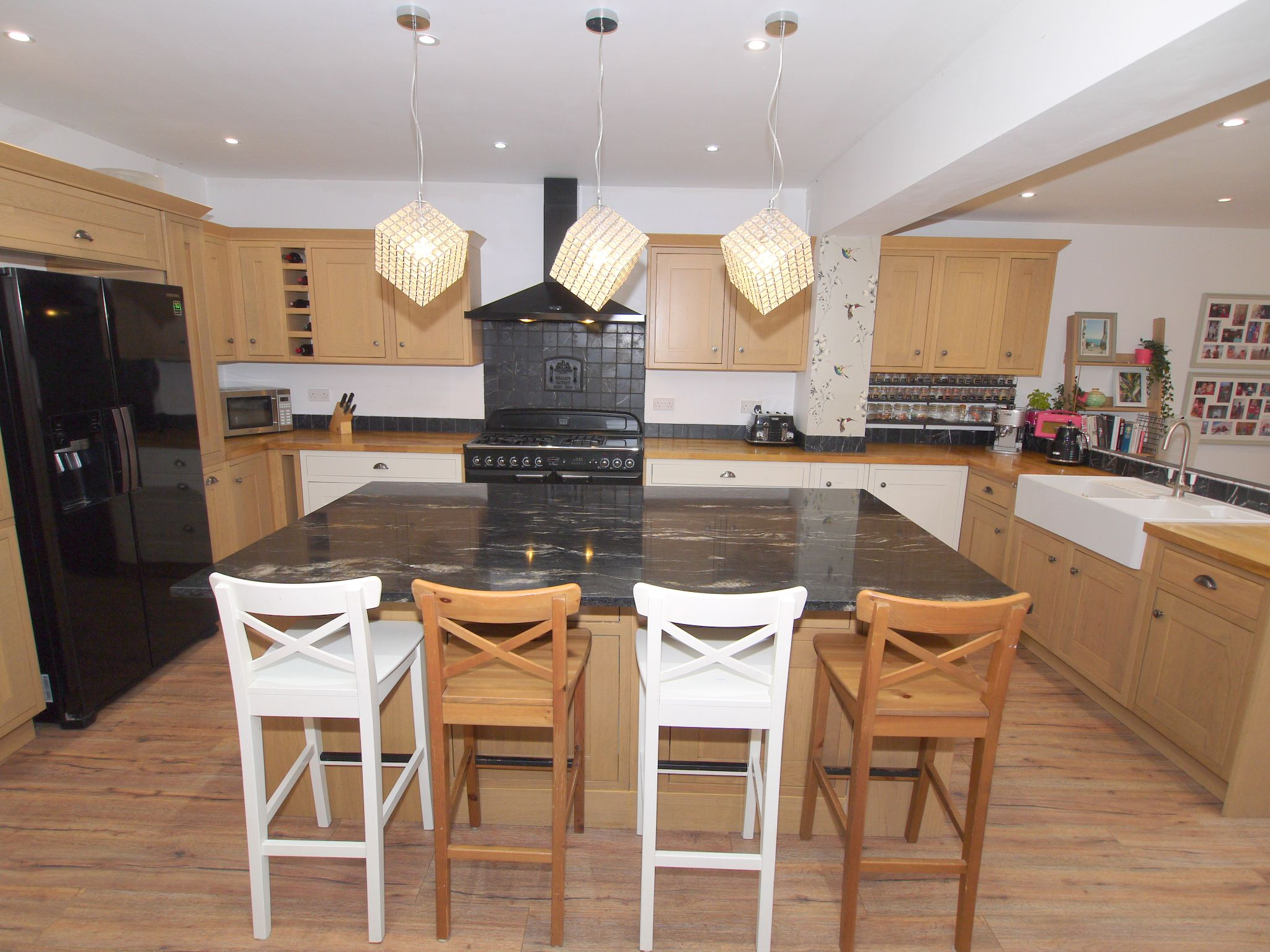 7 bedroom detached house For Sale in Sevenoaks - Photograph 2