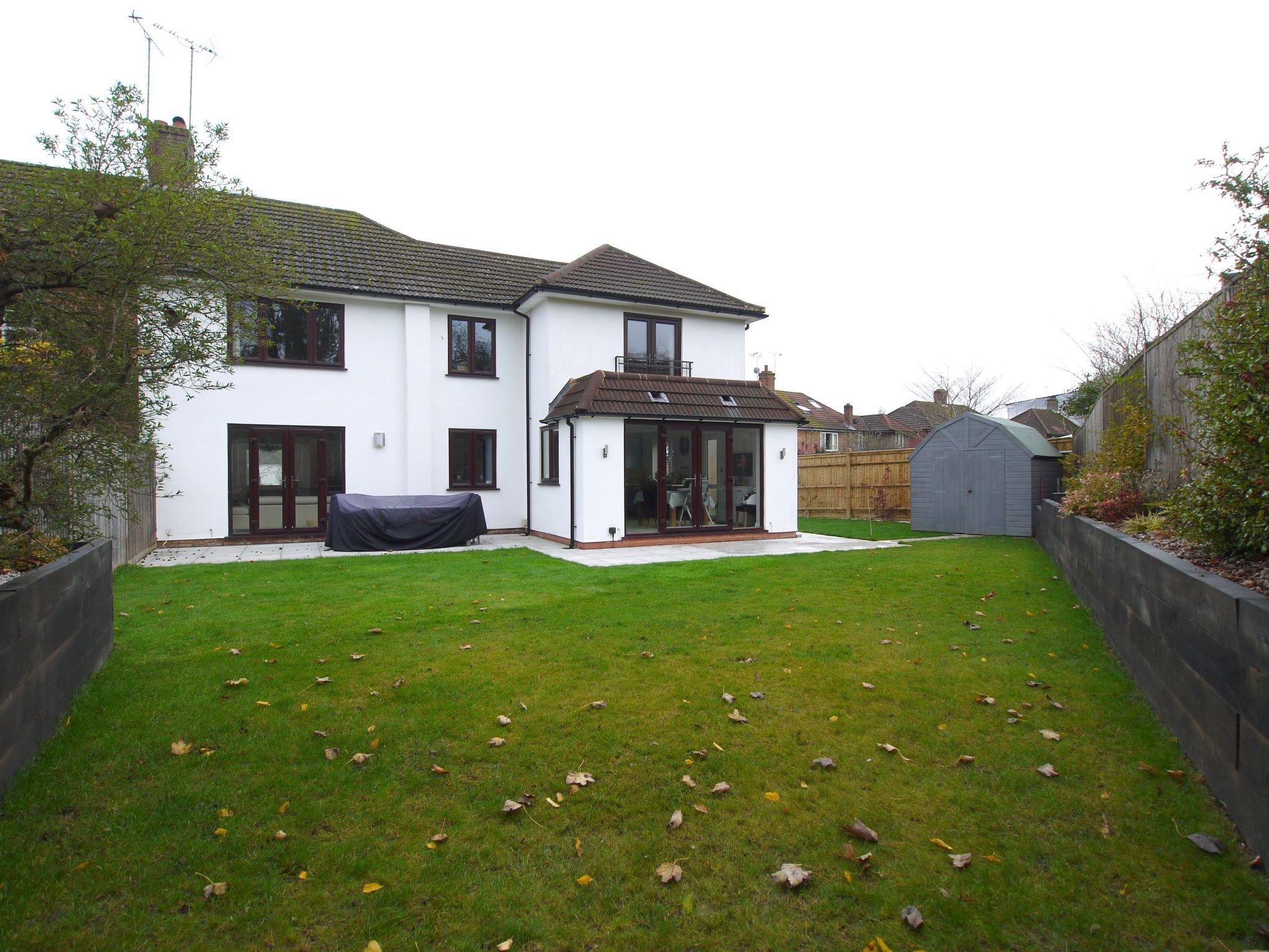 4 bedroom semi-detached house For Sale in Sevenoaks - Photograph 1