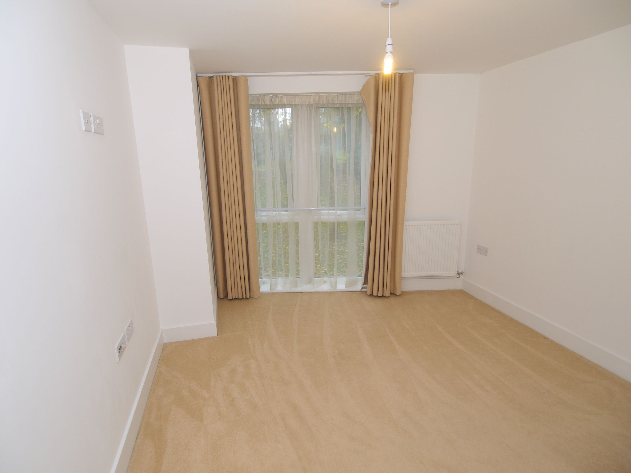 2 bedroom apartment For Sale in Sevenoaks - Photograph 7