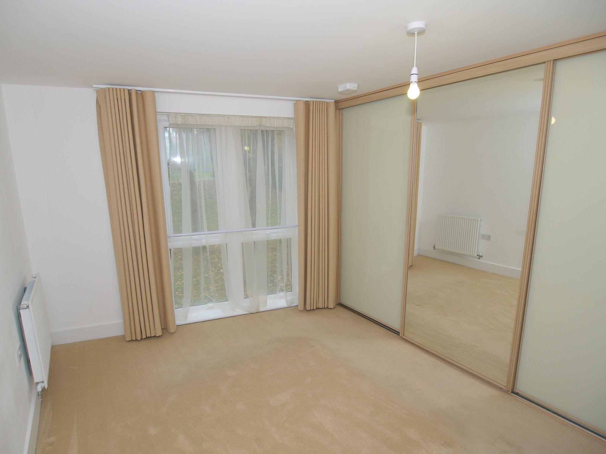 2 bedroom apartment Sale Agreed in Sevenoaks - Photograph 6
