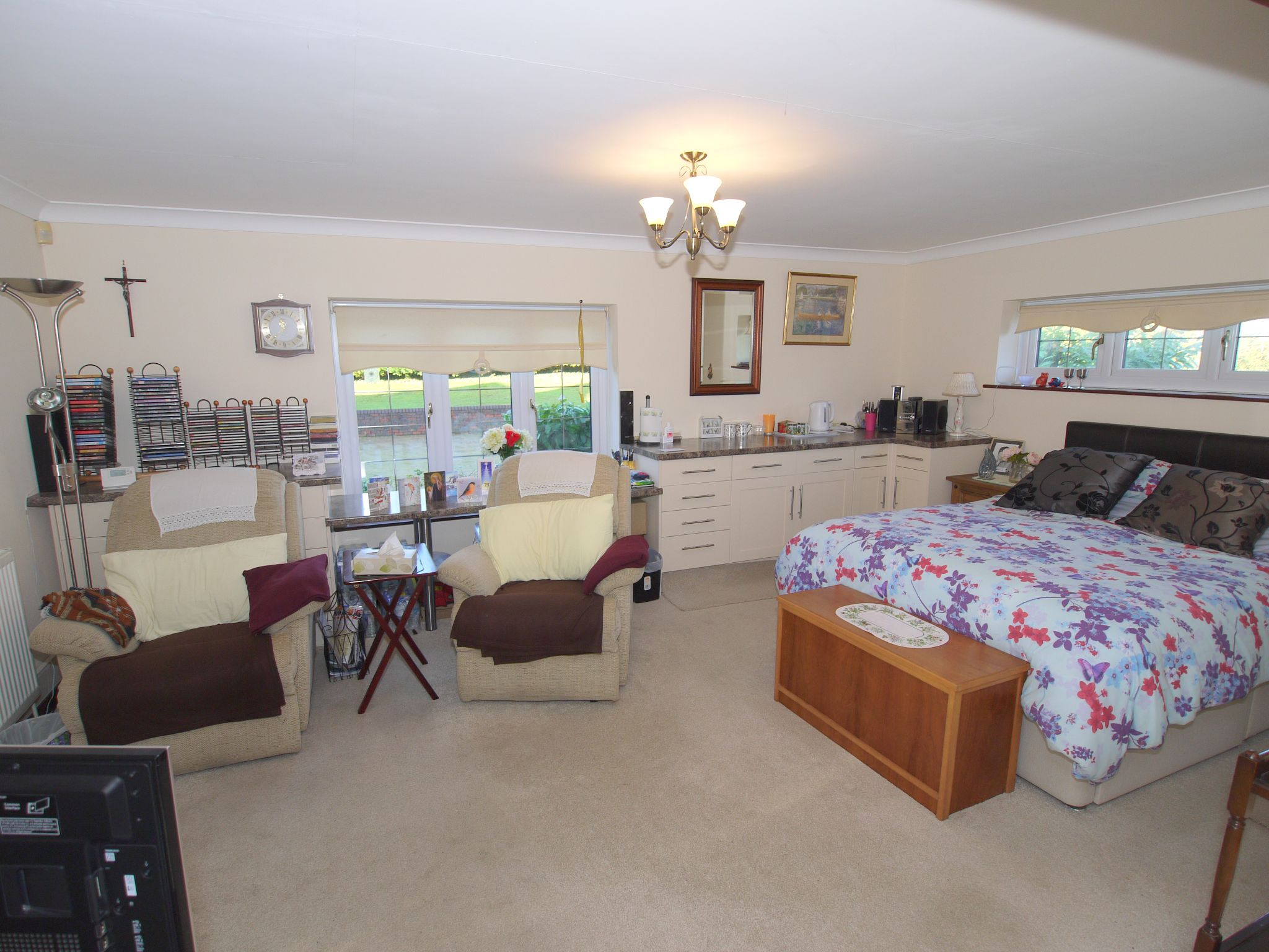 4 bedroom detached house For Sale in Farningham - Photograph 9