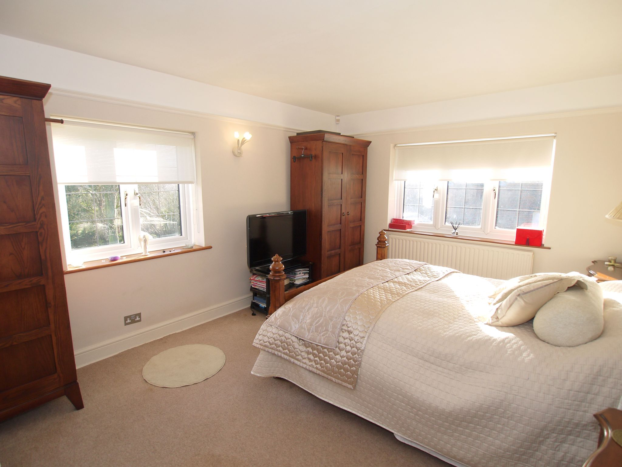 4 bedroom detached house For Sale in Farningham - Photograph 10