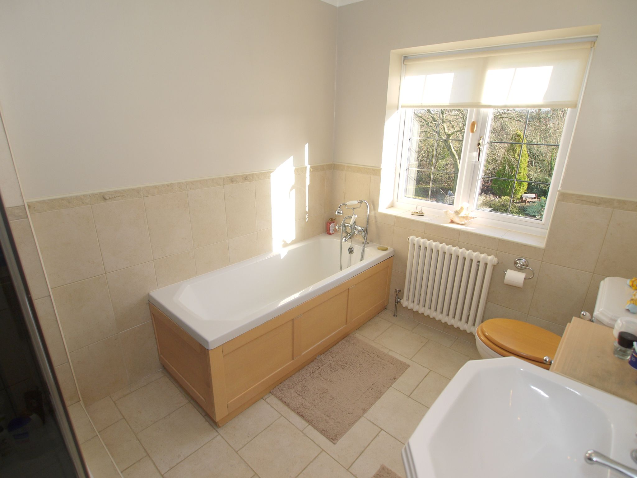 4 bedroom detached house For Sale in Farningham - Photograph 13