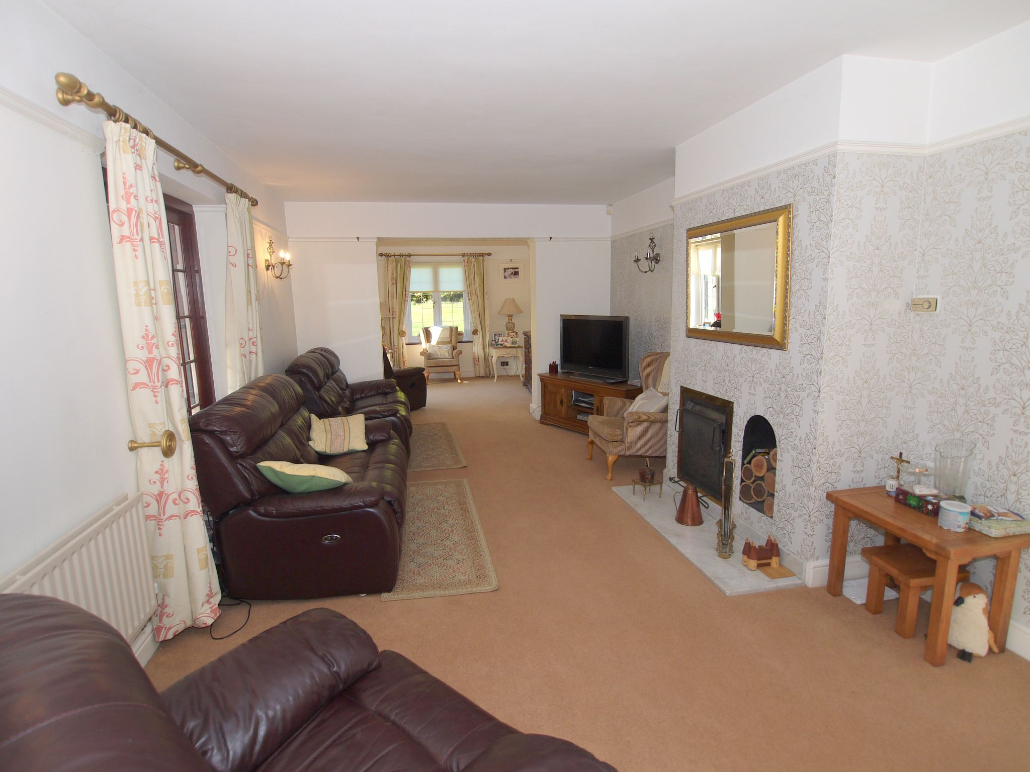 4 bedroom detached house For Sale in Farningham - Photograph 6
