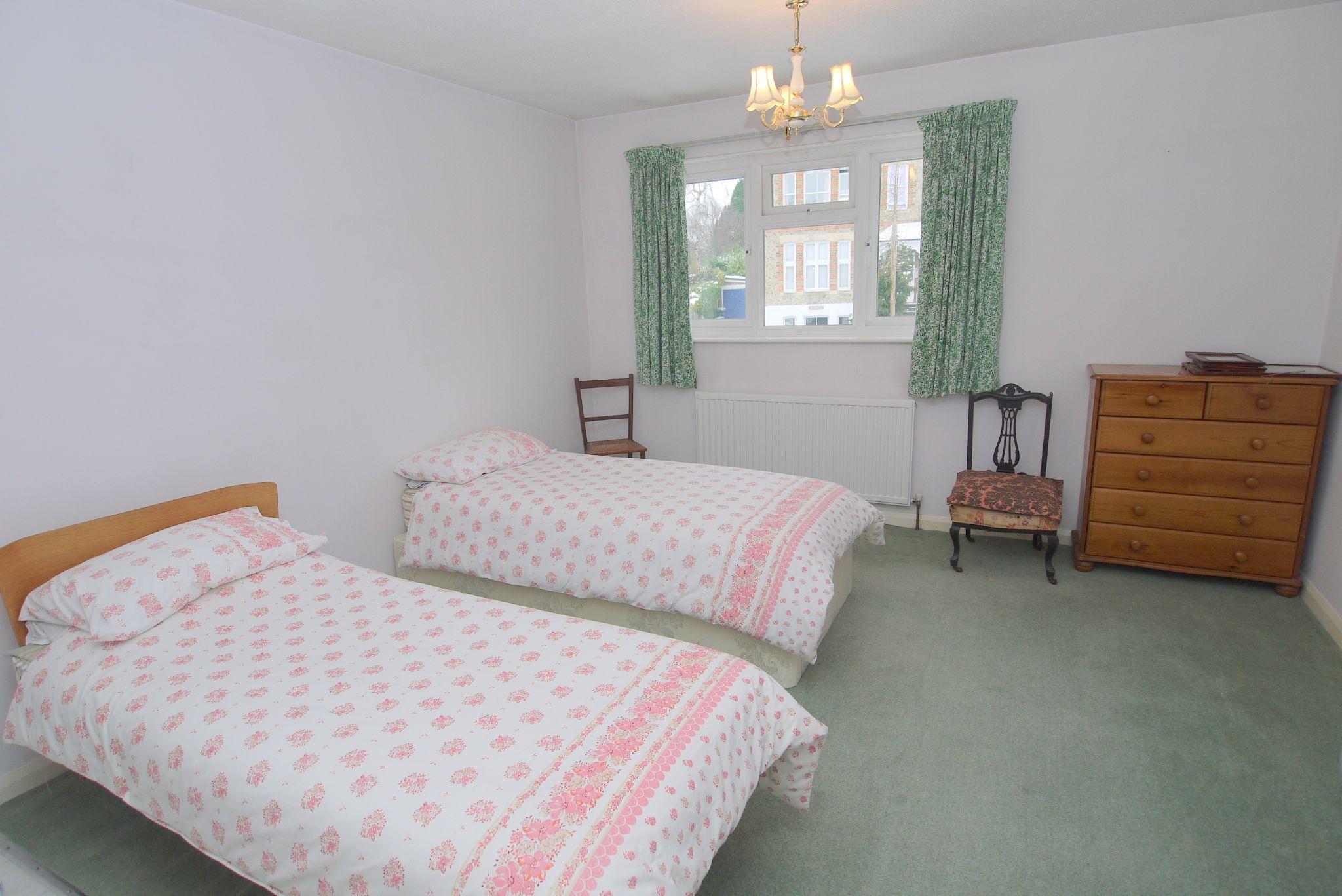 2 bedroom semi-detached house Sold in Sevenoaks - Photograph 4