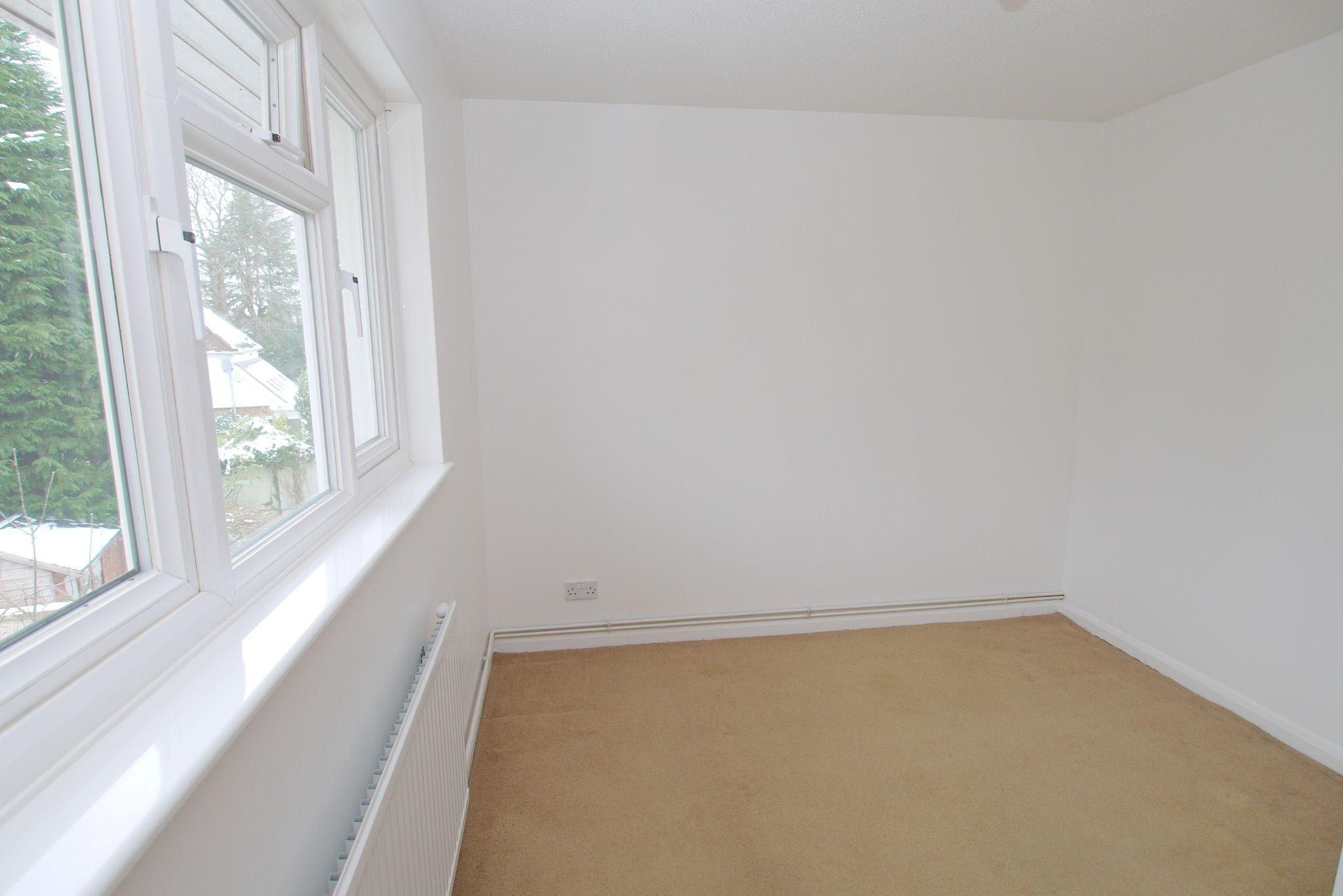 2 bedroom semi-detached house Sold in Sevenoaks - Photograph 5