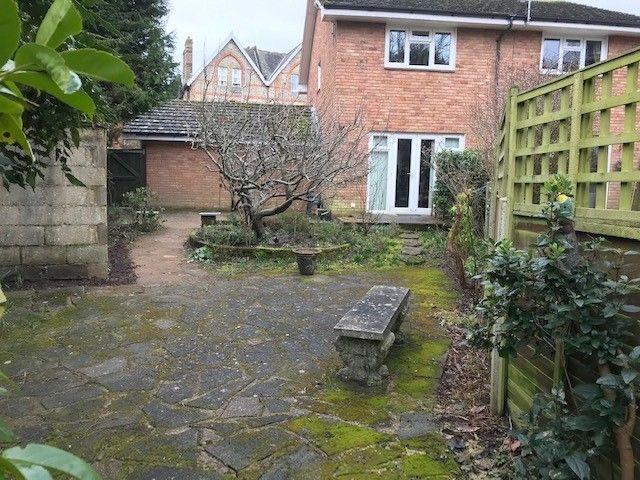 2 bedroom semi-detached house Sold in Sevenoaks - Photograph 8