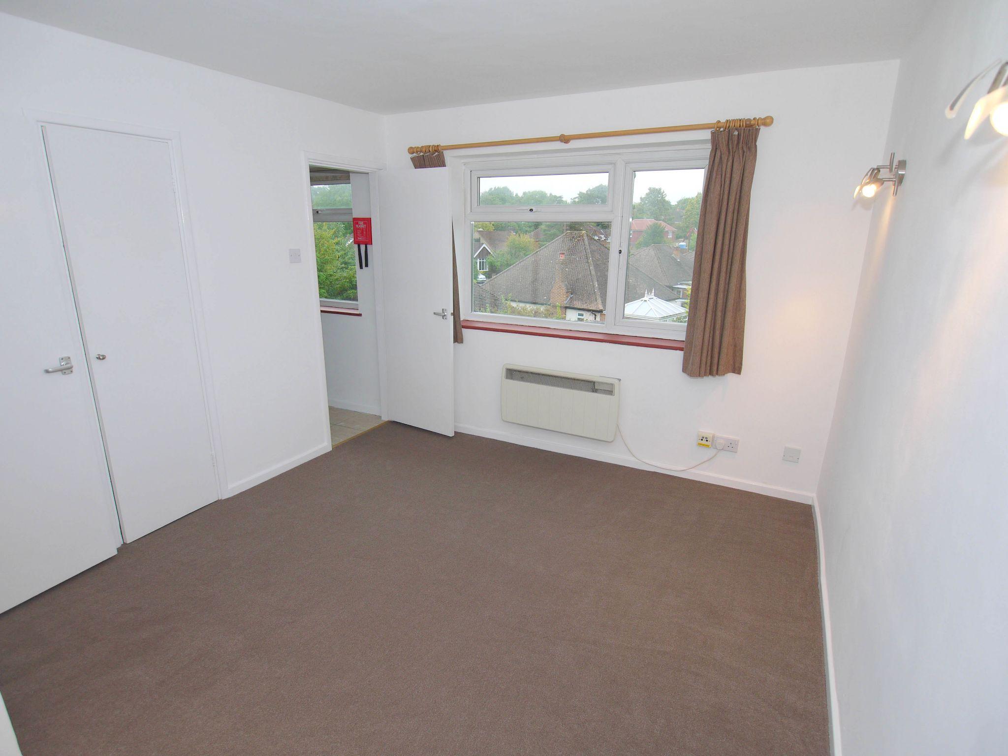 1 bedroom apartment flat/apartment For Sale in Sevenoaks - Photograph 4