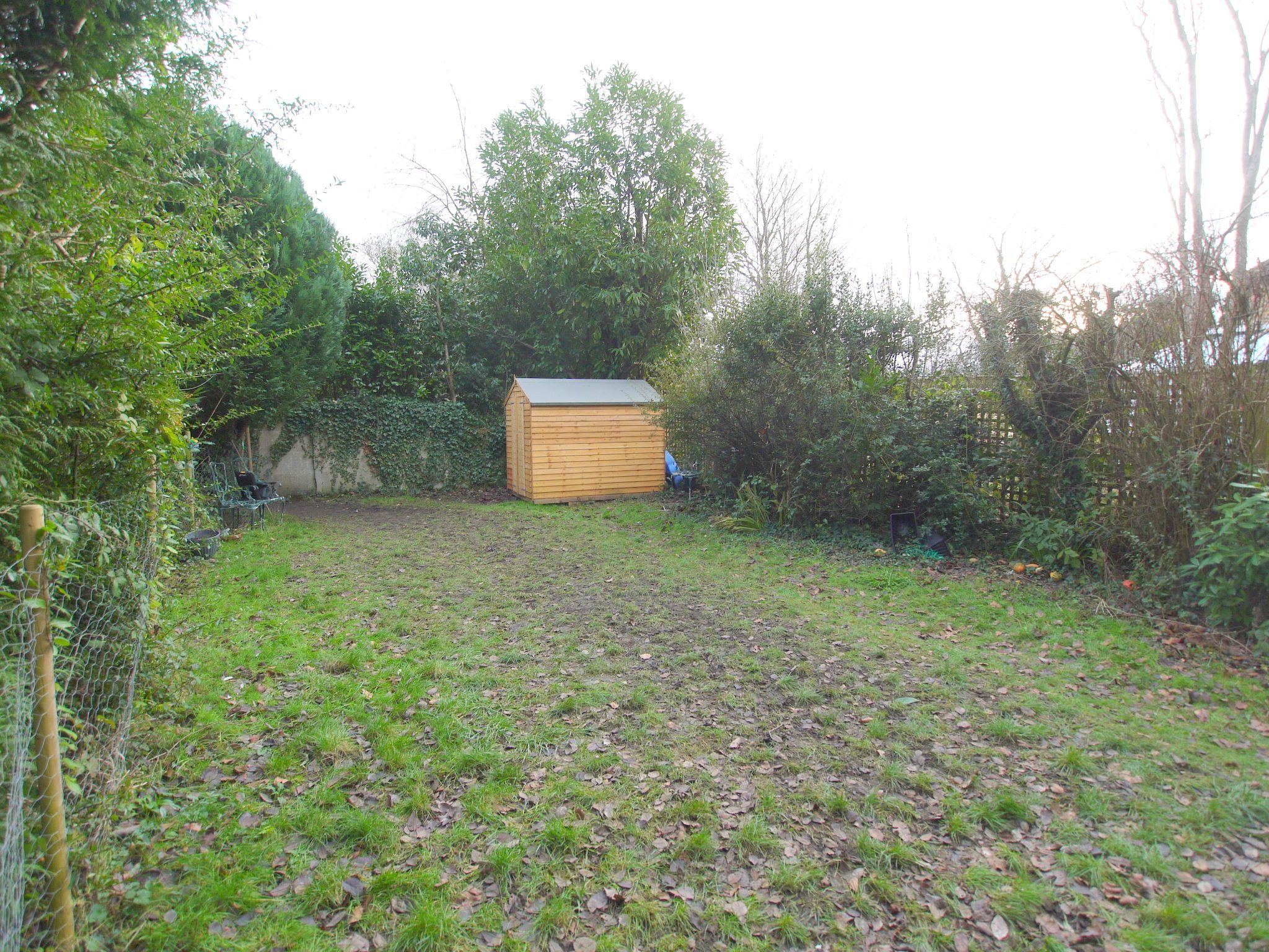 2 bedroom flat Sold in Sevenoaks - Photograph 9