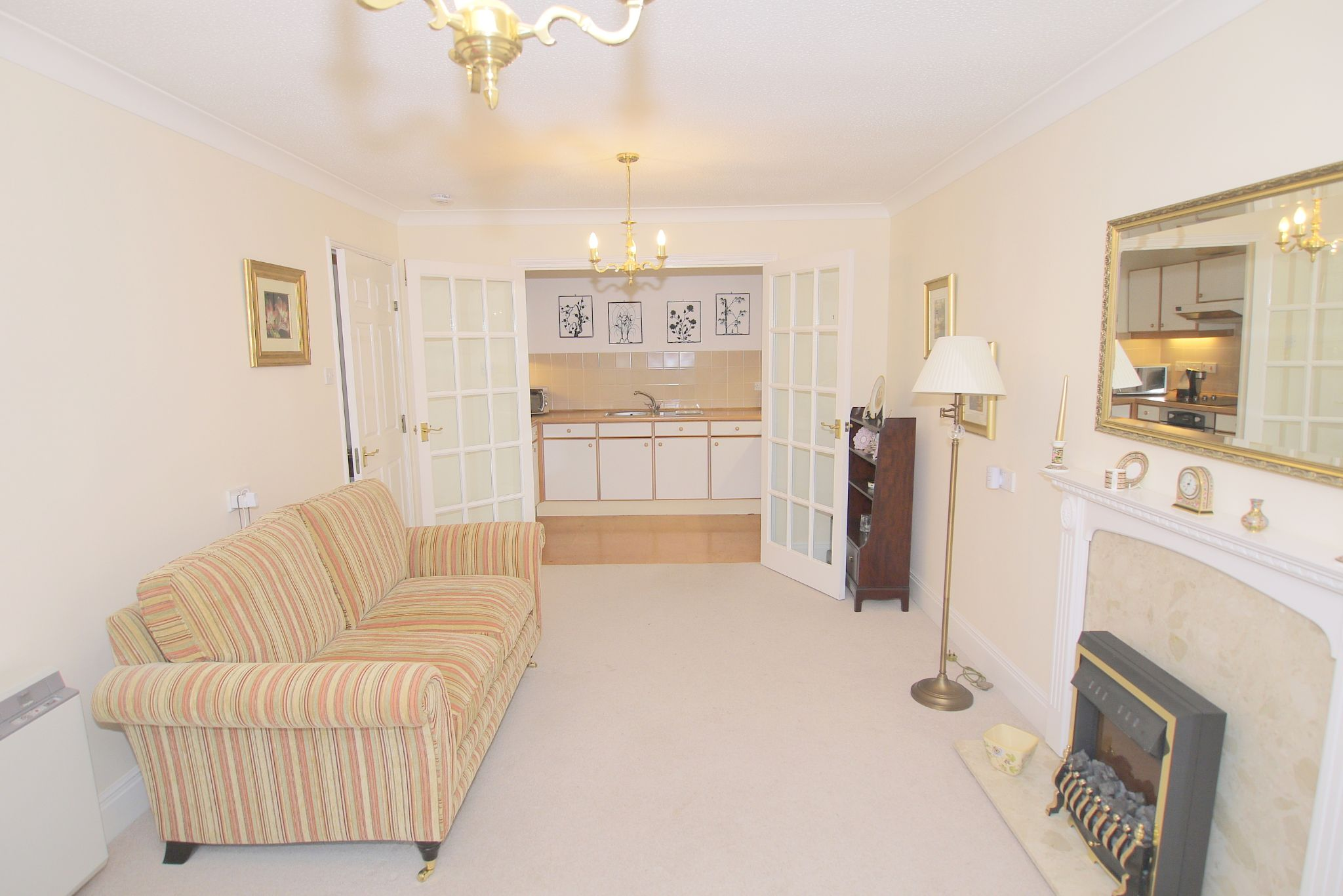 2 bedroom apartment For Sale in Sevenoaks - Photograph 2