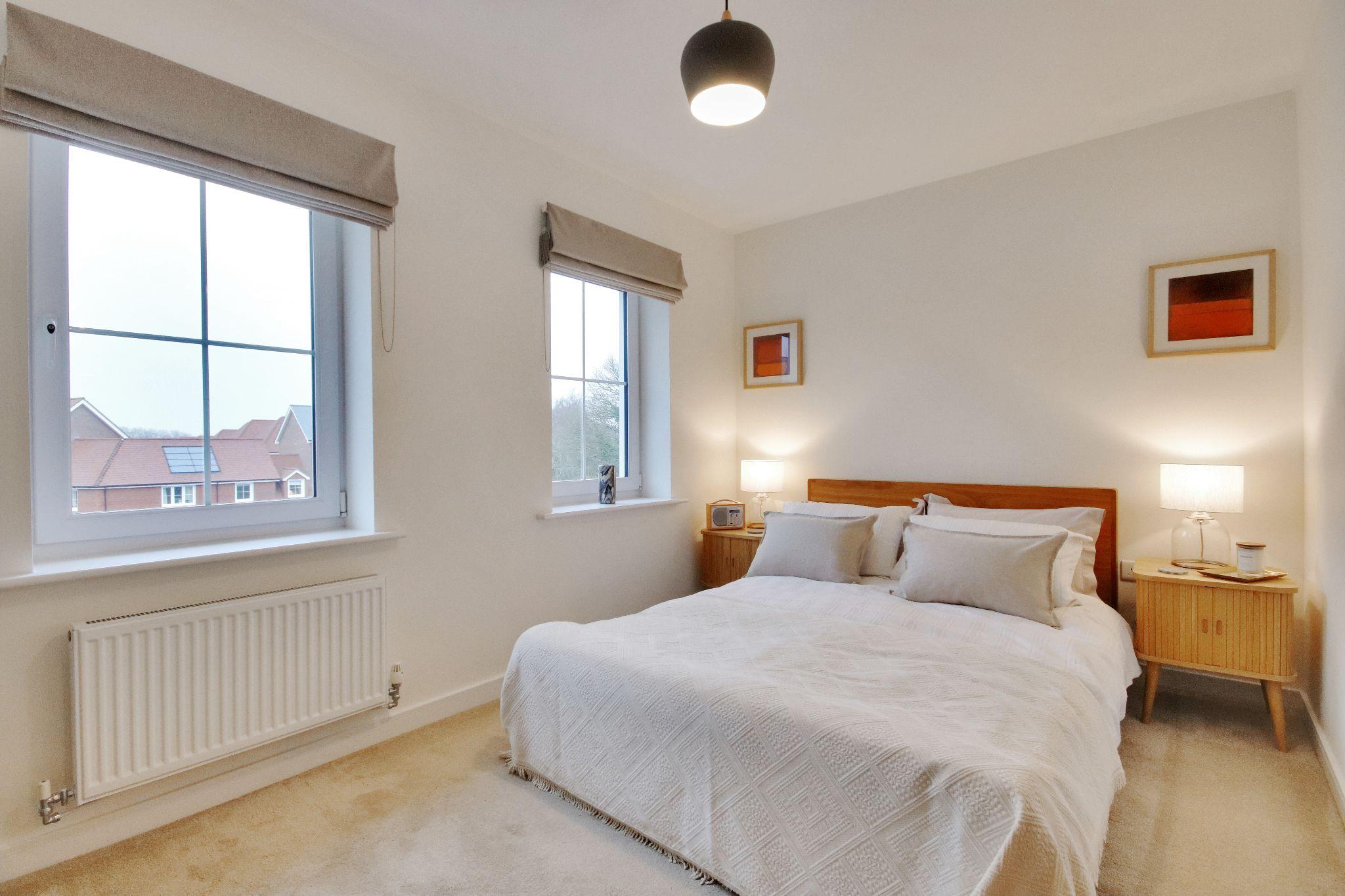 3 bedroom mid terraced house Sold in Sevenoaks - Photograph 8