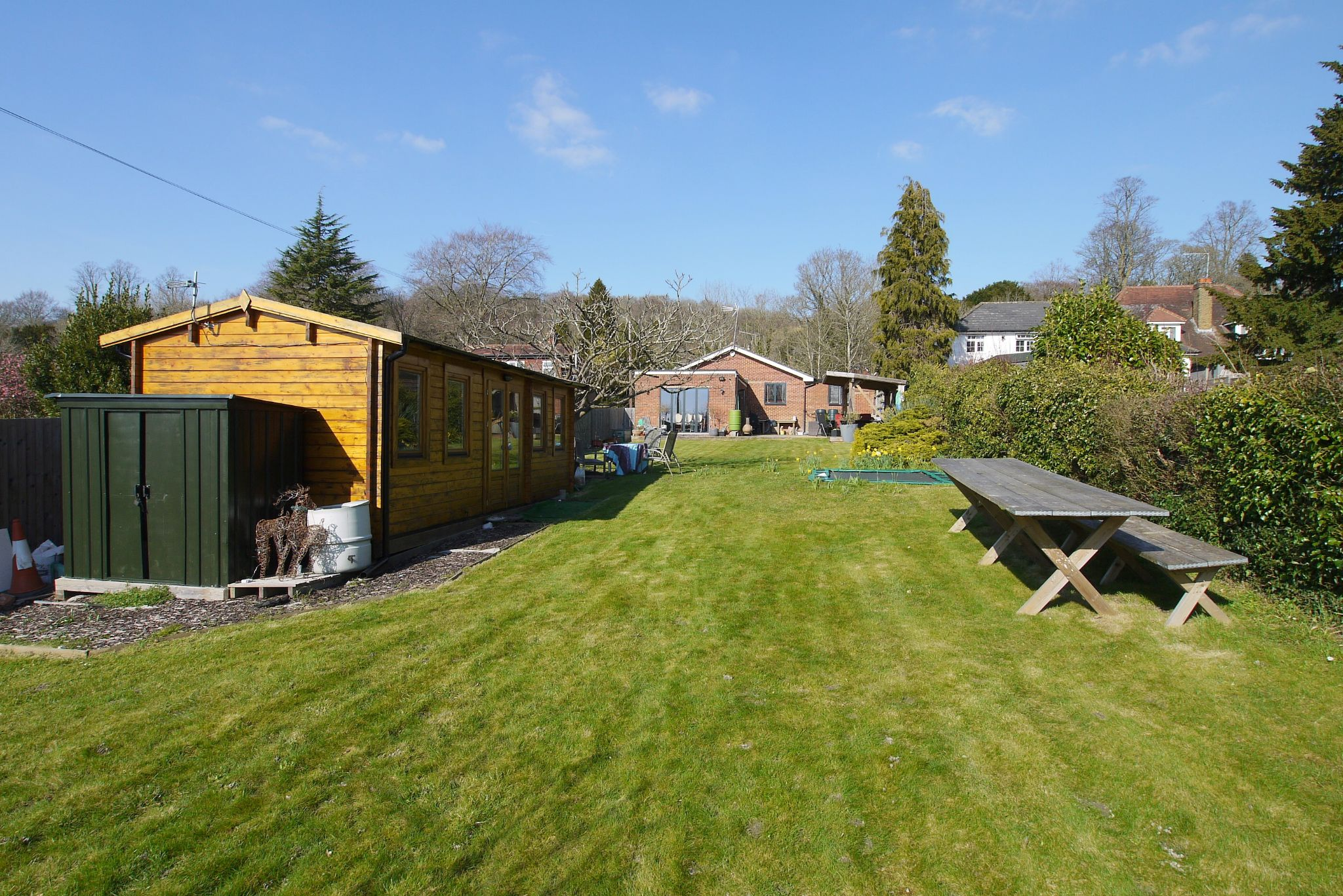 4 bedroom detached bungalow Sale Agreed in Sevenoaks - Photograph 14