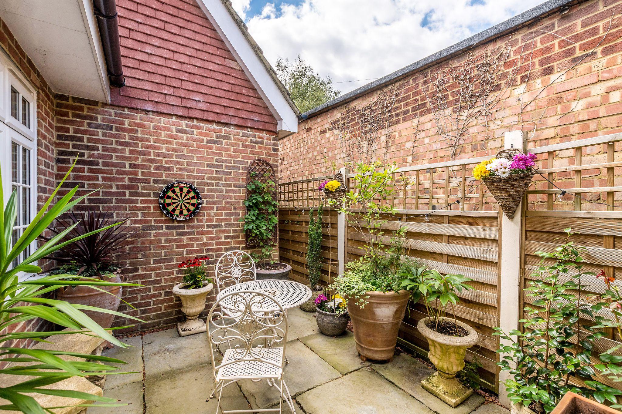 3 bedroom detached bungalow For Sale in Sevenoaks - Photograph 12