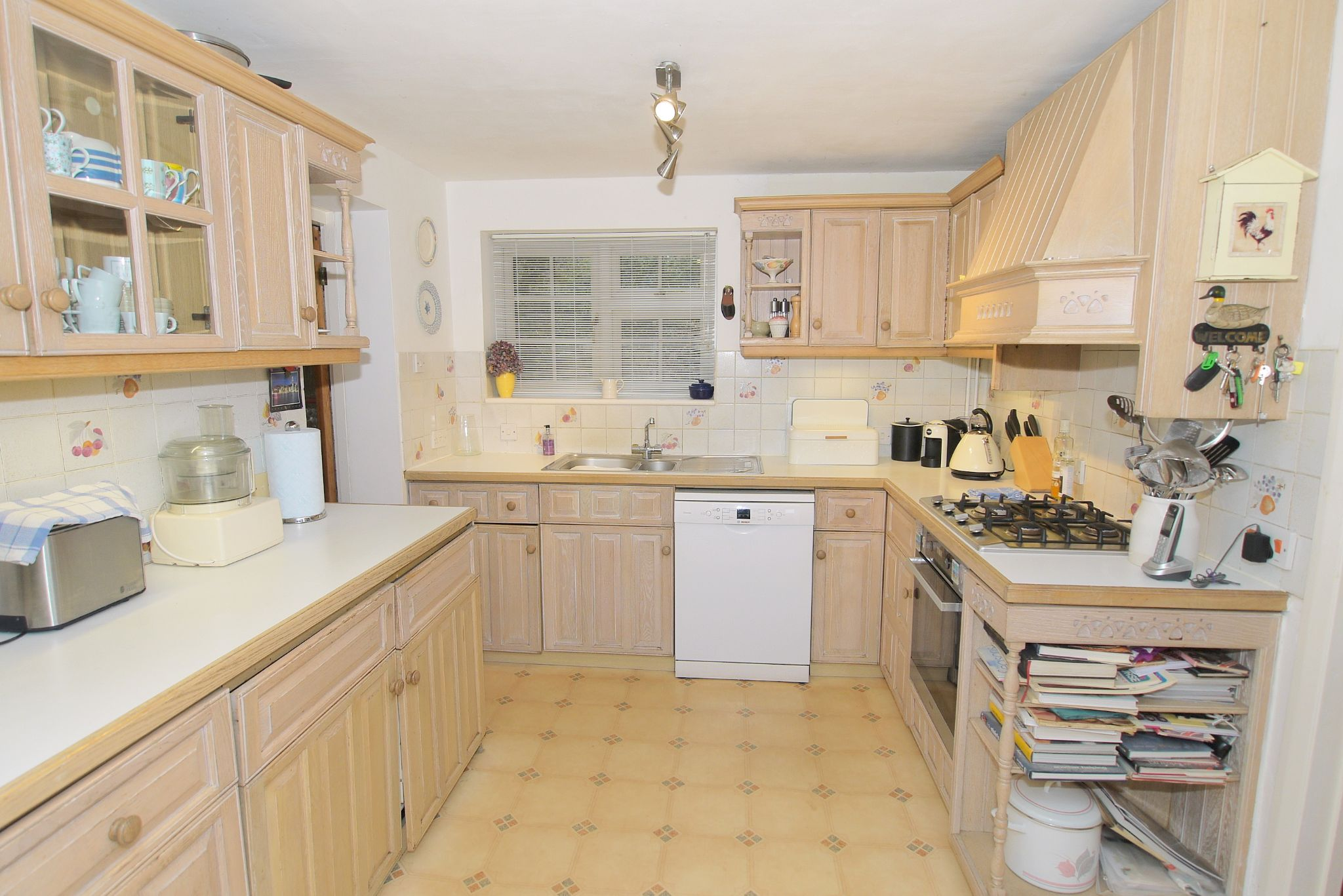 4 bedroom detached house Sold in Sevenoaks - Photograph 8