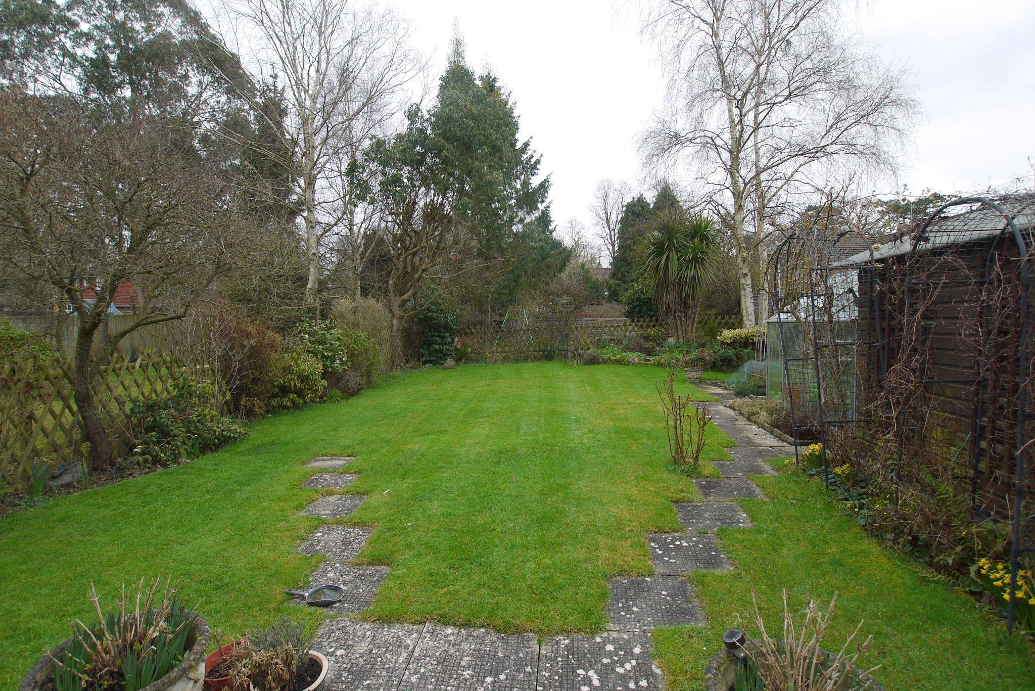 3 bedroom semi-detached house Sold in Tonbridge - Photograph 11