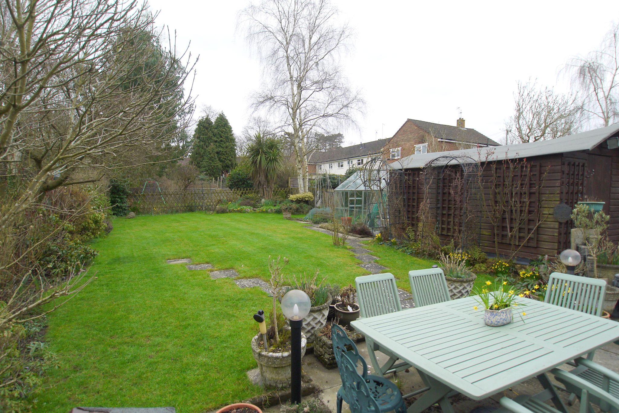 3 bedroom semi-detached house Sold in Tonbridge - Photograph 9