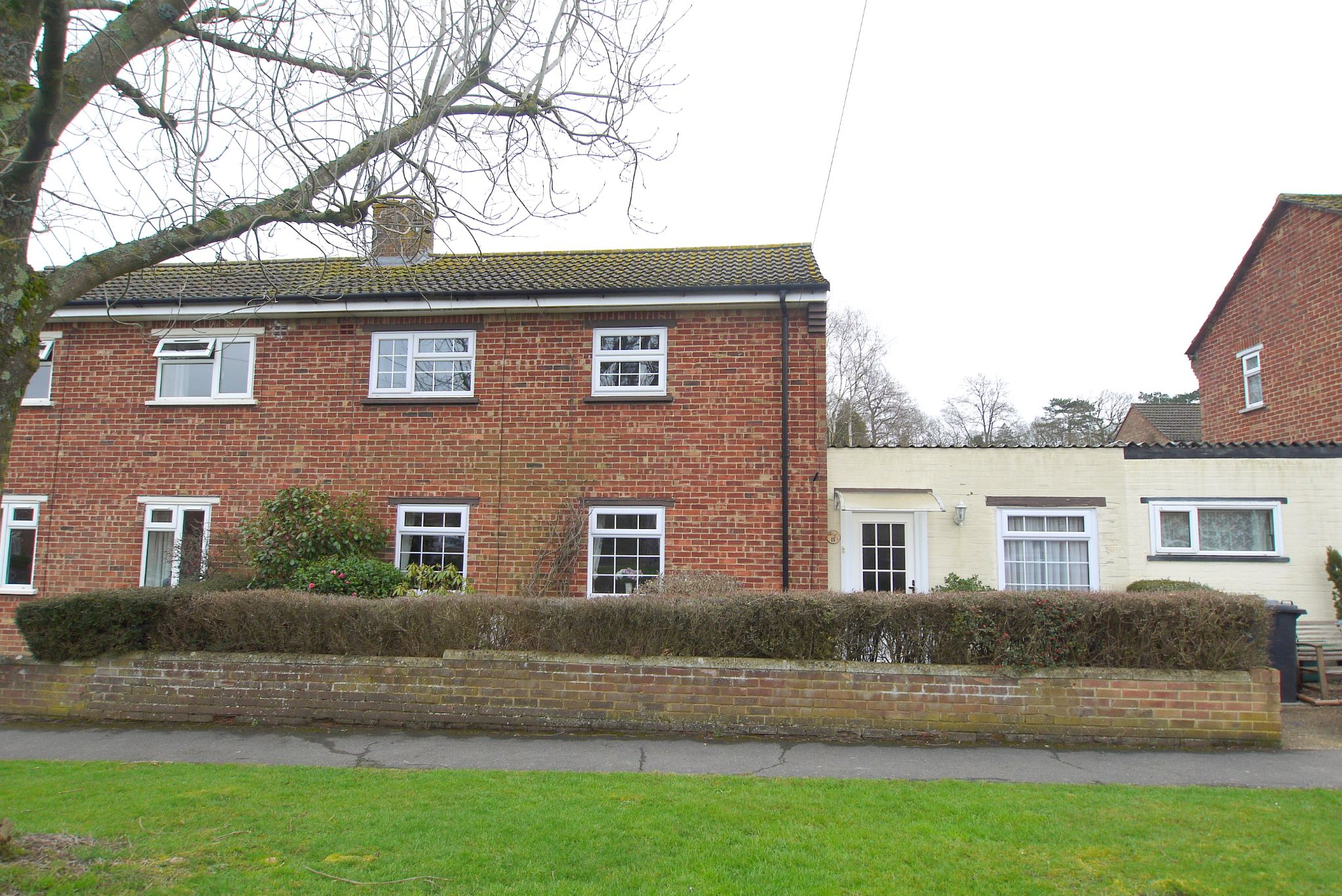 3 bedroom semi-detached house For Sale in Tonbridge - Photograph 1