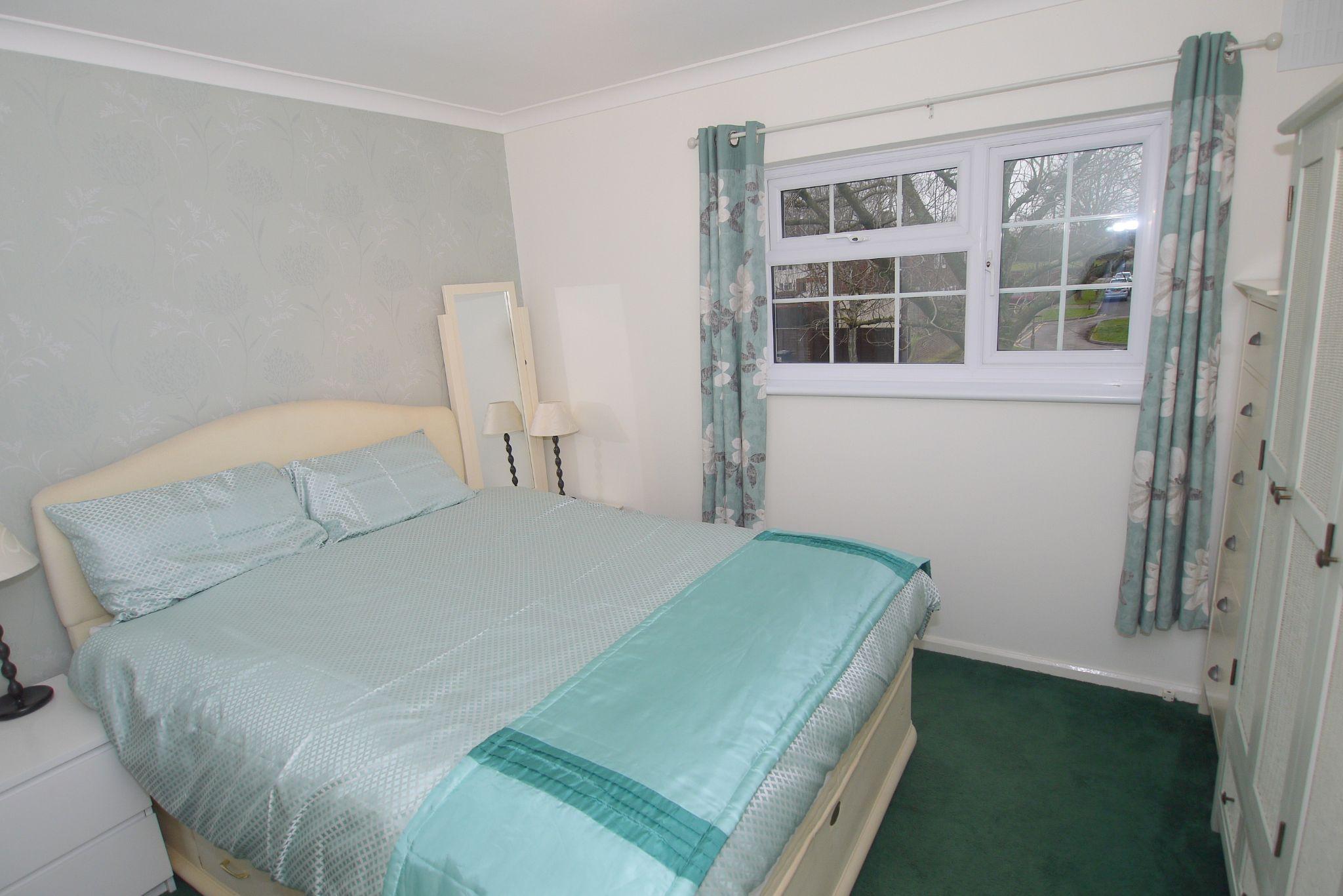3 bedroom semi-detached house Sold in Tonbridge - Photograph 6