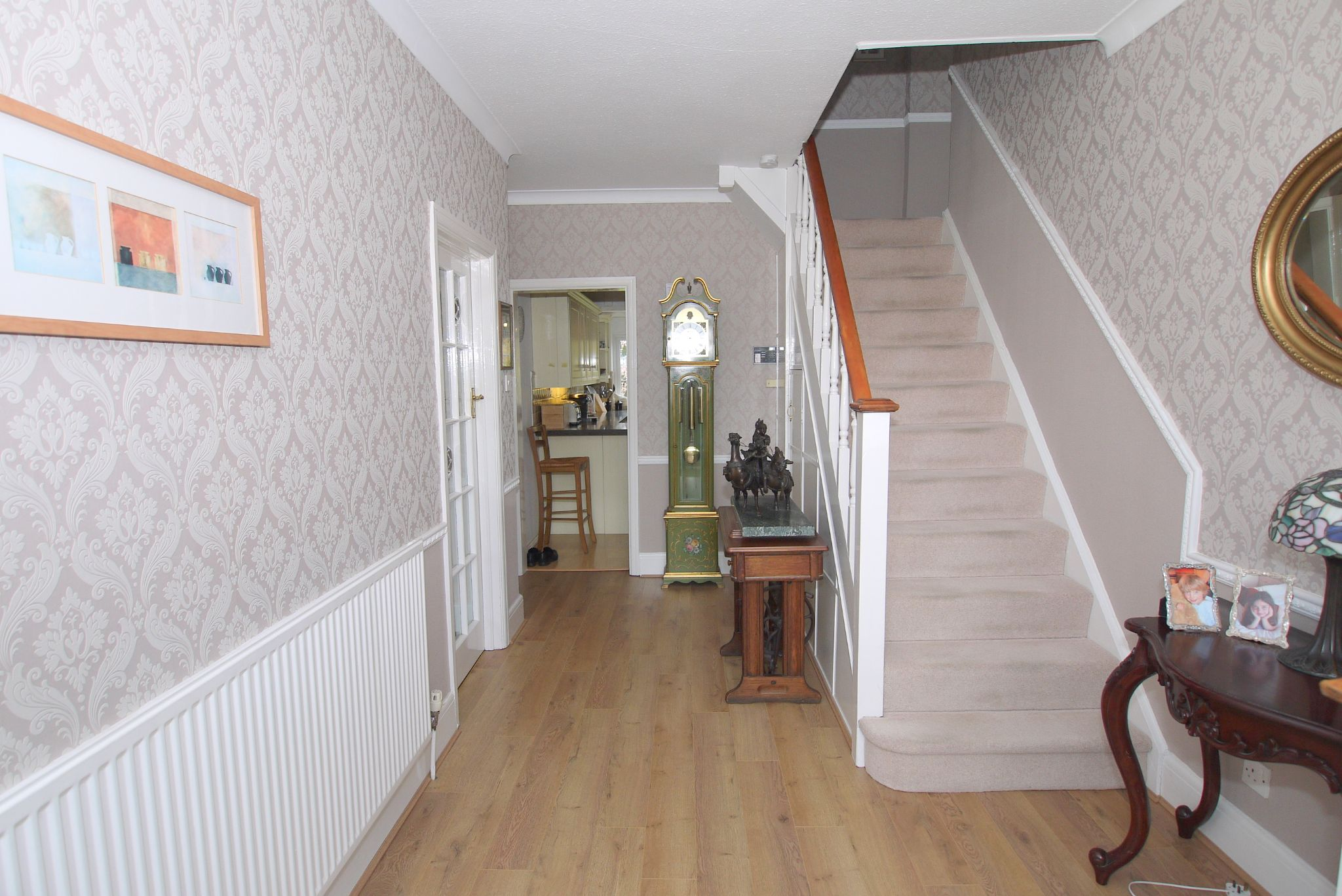 4 bedroom detached house Sold in Sevenoaks - Photograph 7