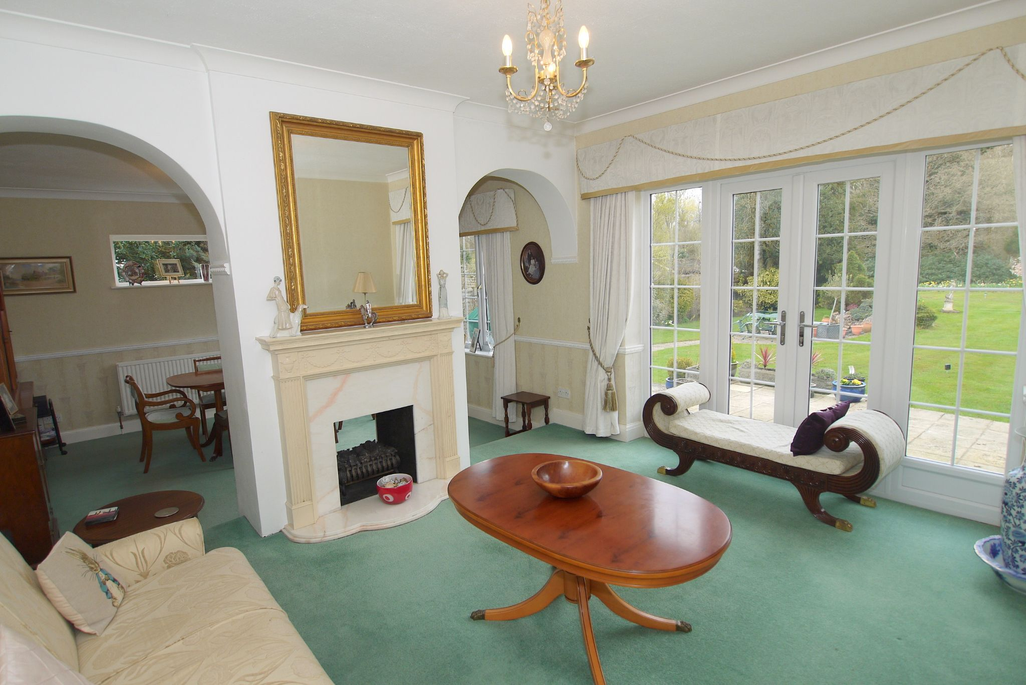 4 bedroom detached house Sold in Sevenoaks - Photograph 2