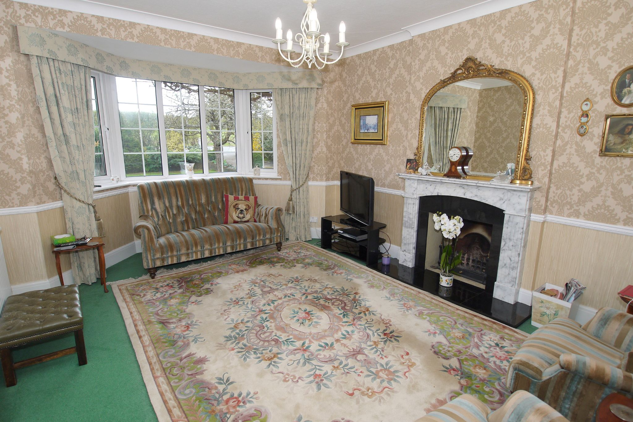 4 bedroom detached house Sold in Sevenoaks - Photograph 4
