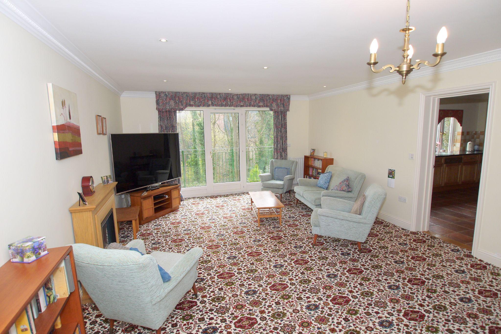 2 bedroom ground floor For Sale in Sevenoaks - Photograph 3