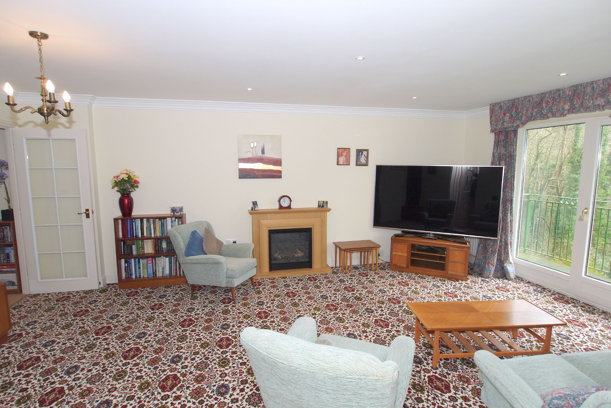 2 bedroom ground floor For Sale in Sevenoaks - Photograph 4